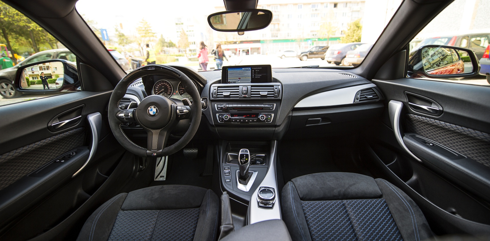 2014 Bmw M235i Front Interior (Photo 4 of 8)