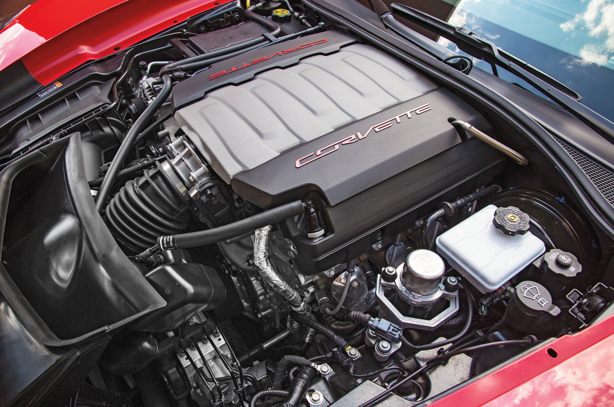 2014 Chevrolet Corvette Stingray Z51 Engine Photo (Photo 3 of 7)