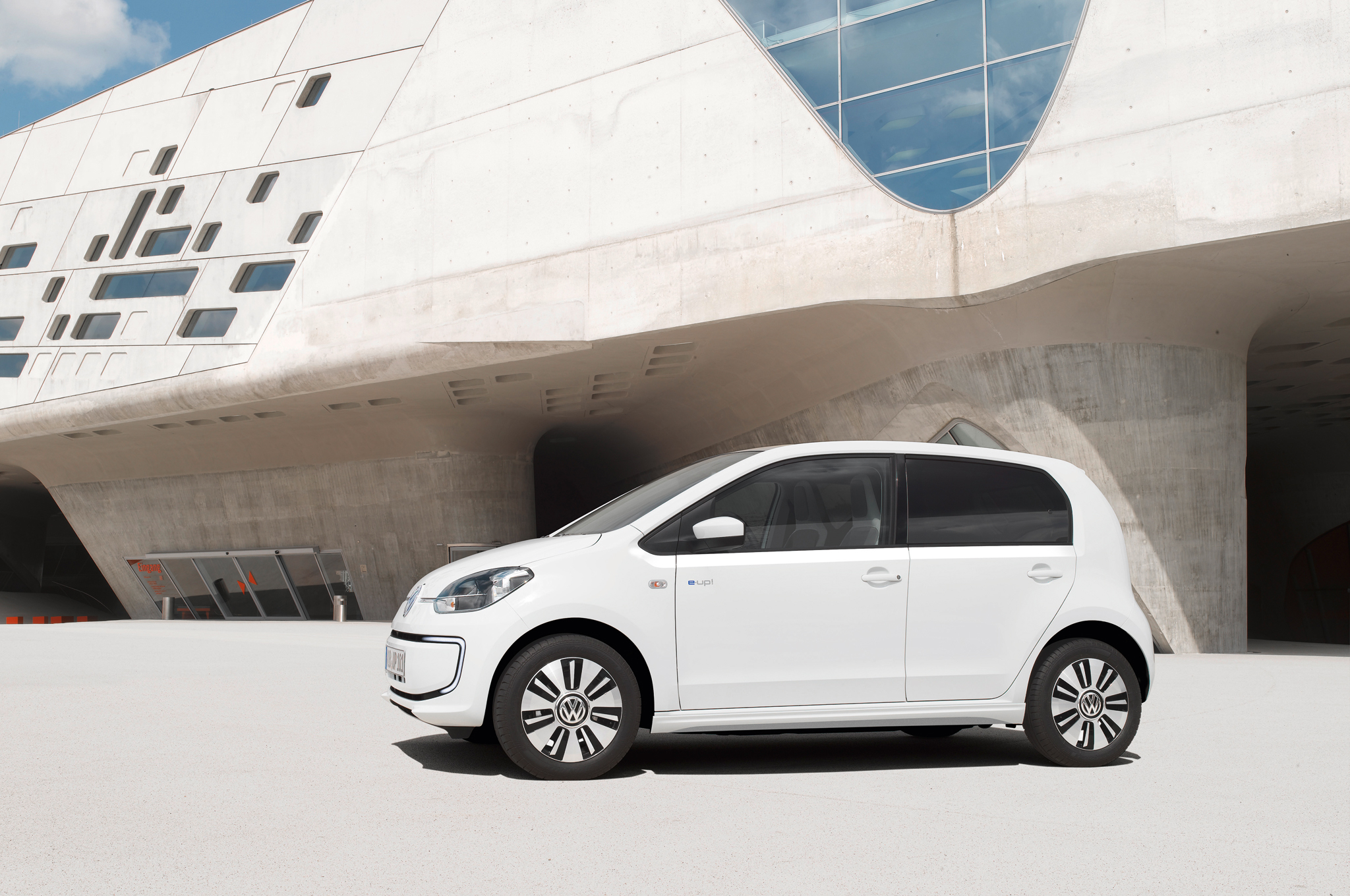 2014 Volkswagen E Up Side Exterior (Photo 6 of 6)