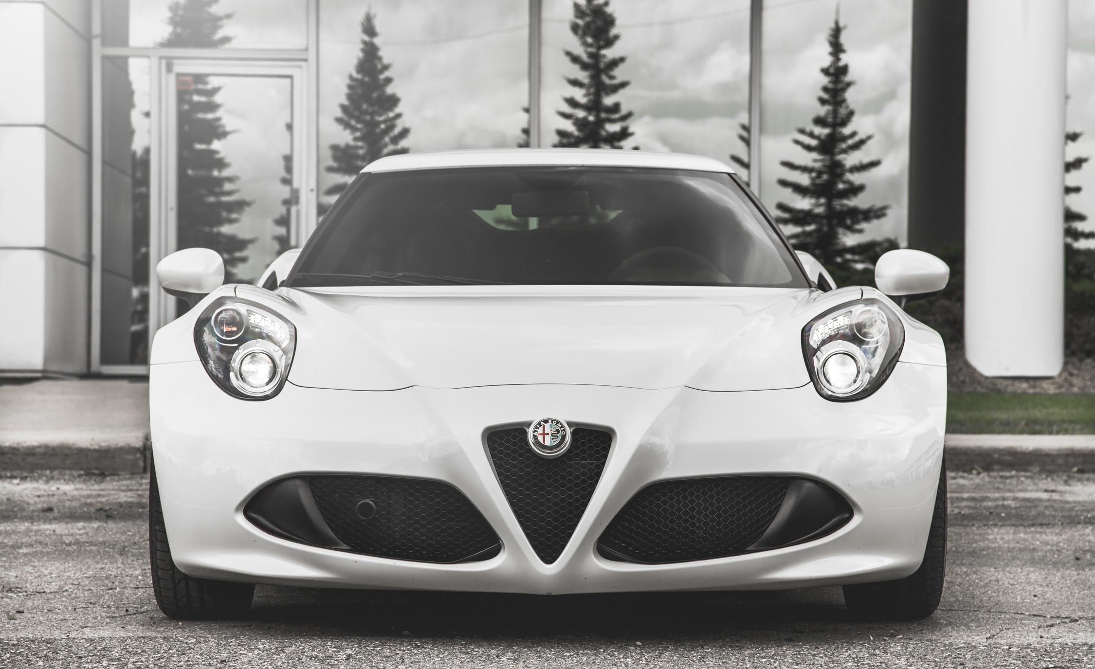 2015 Alfa Romeo 4C (Photo 7 of 25)