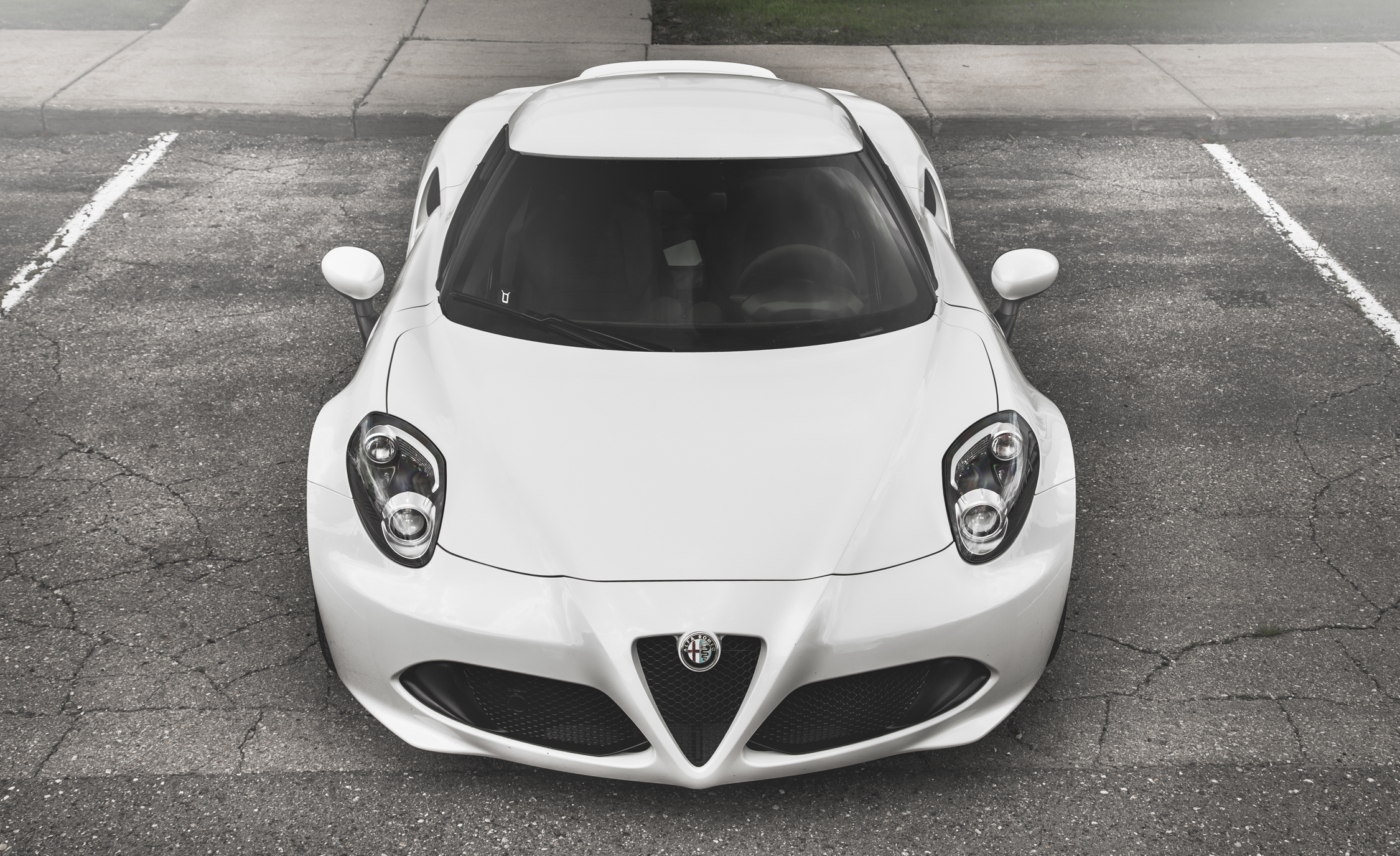 2015 Alfa Romeo 4C (Photo 8 of 25)