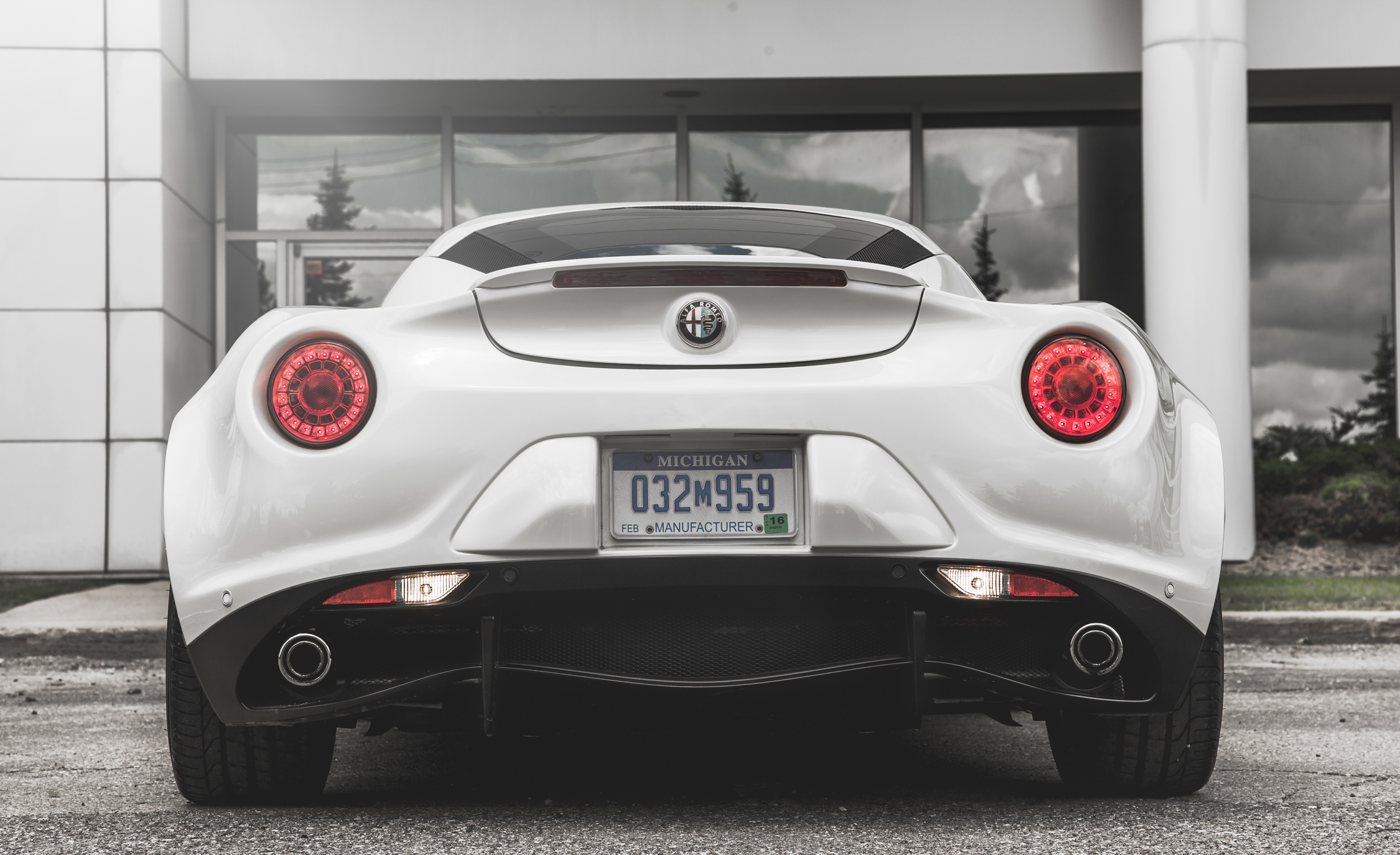 2015 Alfa Romeo 4C (Photo 10 of 25)