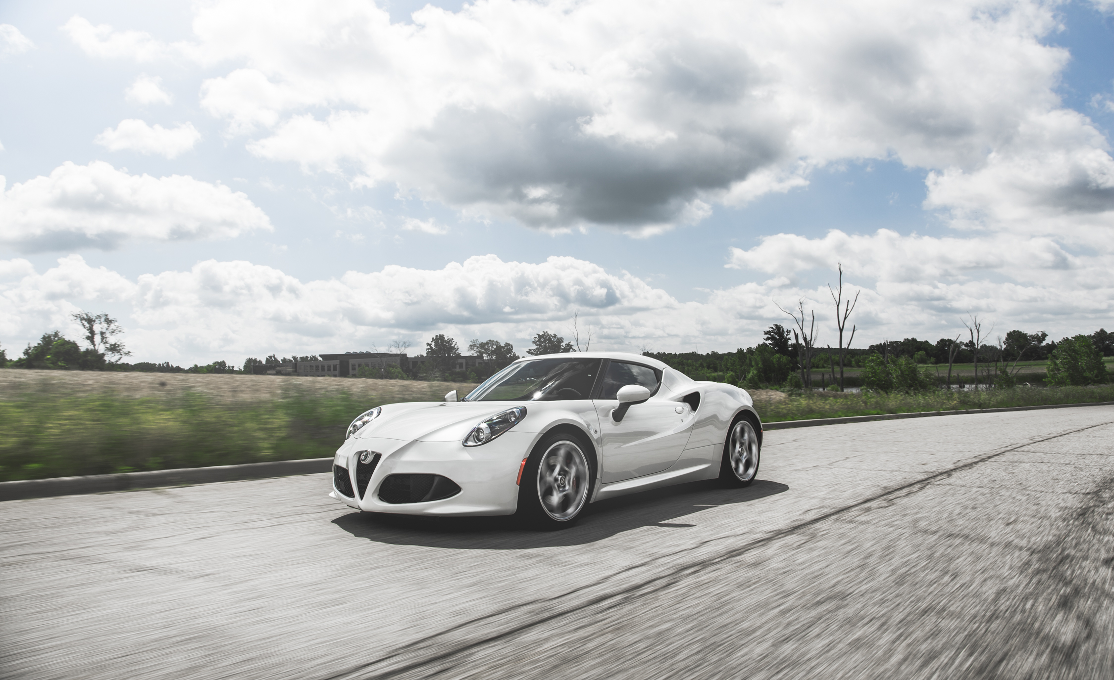 2015 Alfa Romeo 4C (Photo 14 of 25)