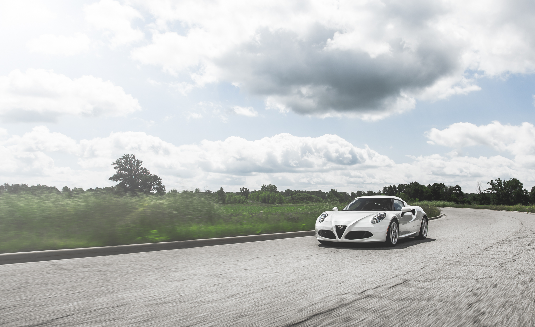 2015 Alfa Romeo 4C (Photo 15 of 25)