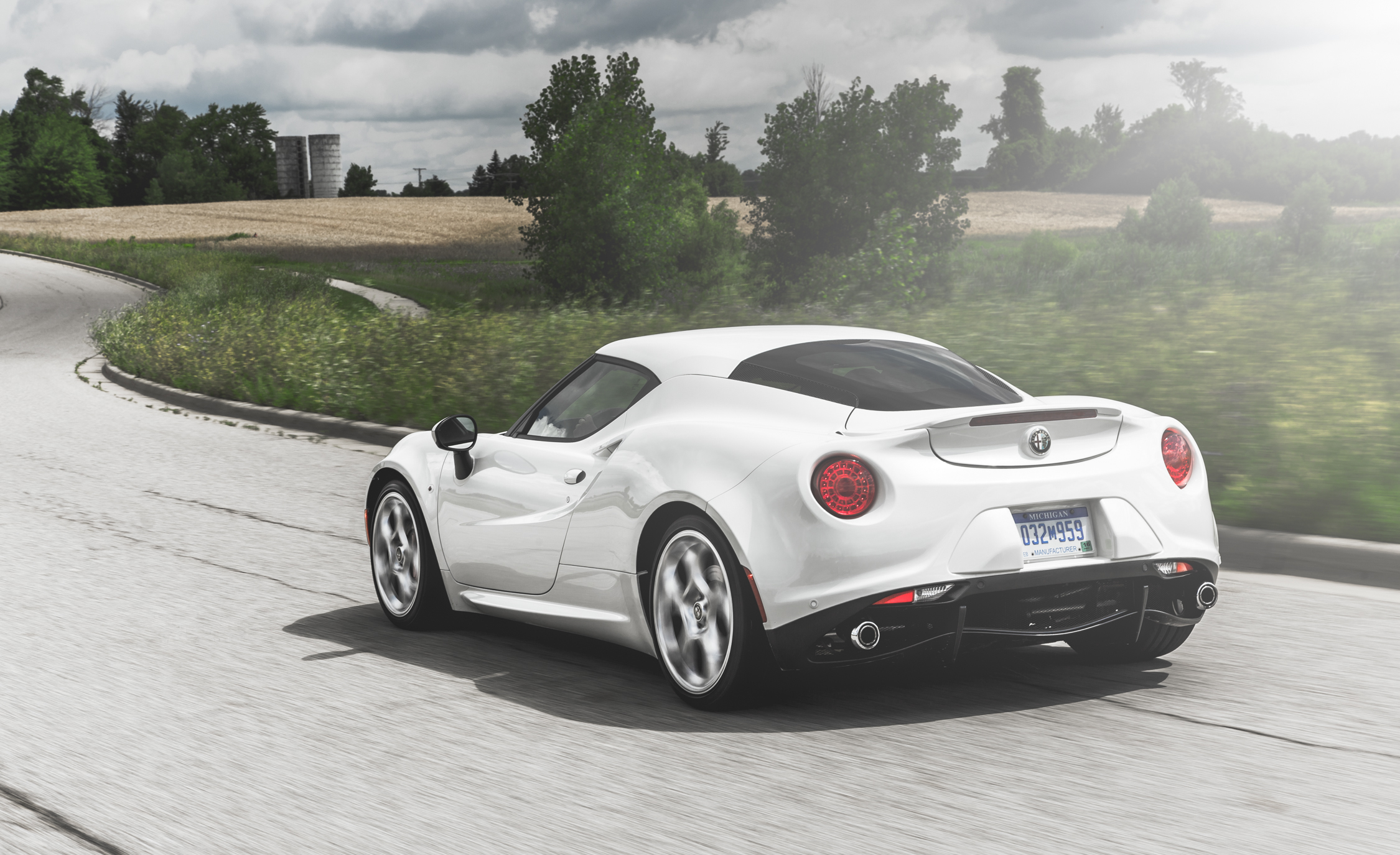 2015 Alfa Romeo 4C (Photo 16 of 25)