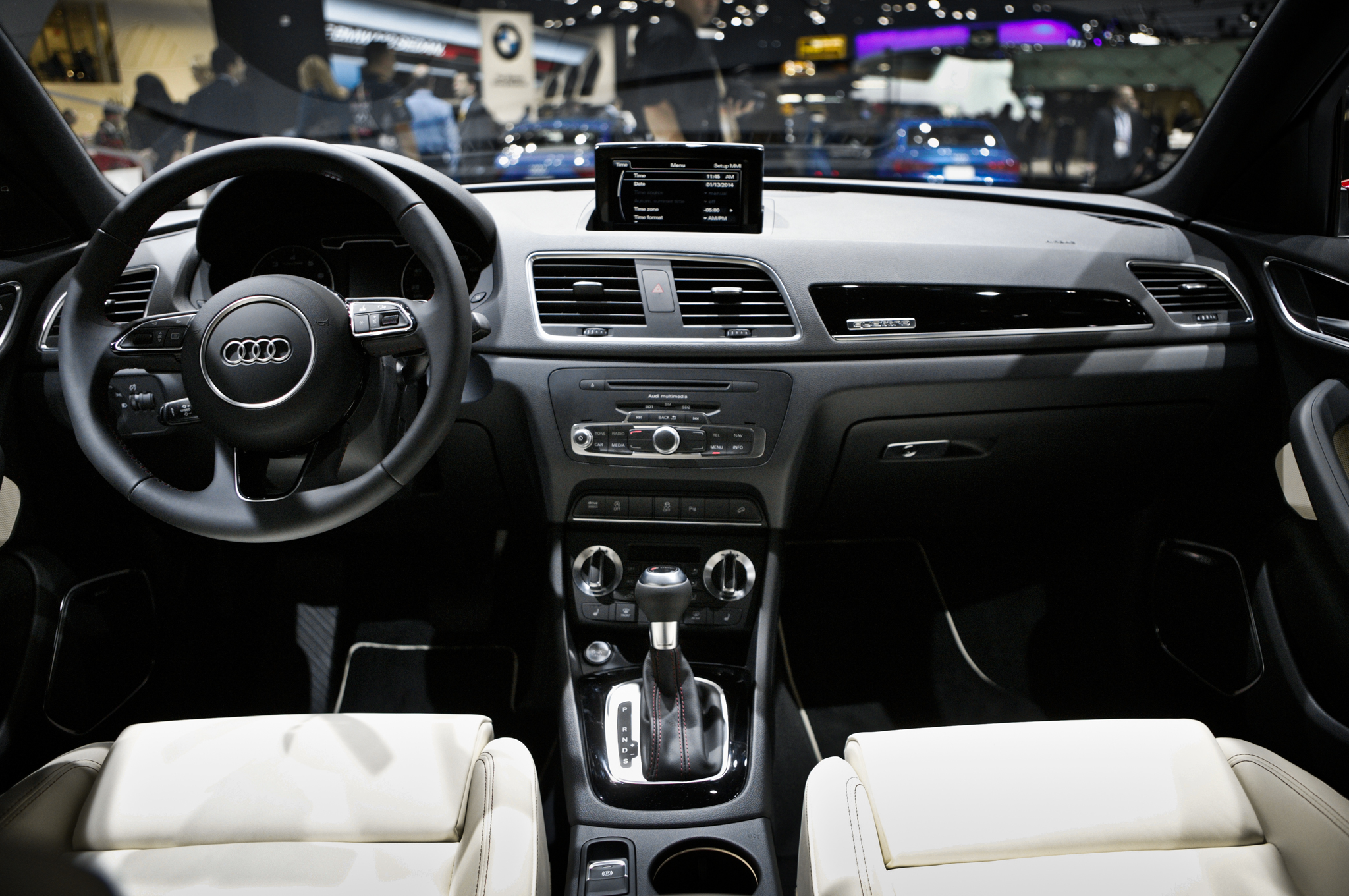 2015 Audi Q3 Dashboard Interior View (View 18 of 21)
