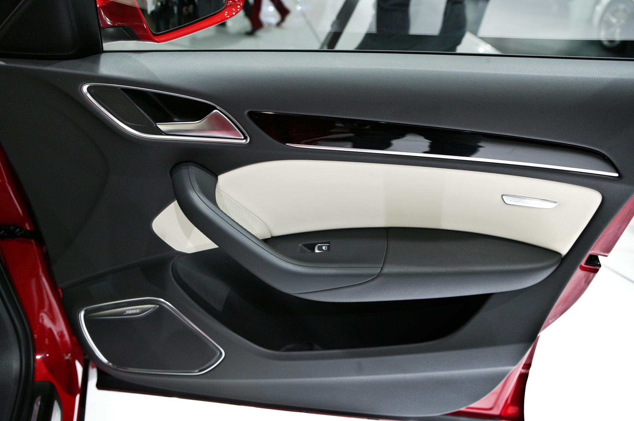 2015 Audi Q3 Door Panel (Photo 5 of 21)