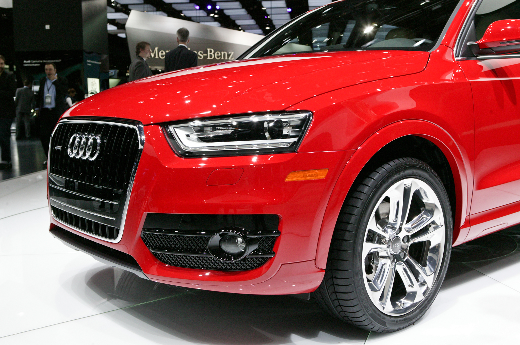 2015 Audi Q3 Front Fog Lamp (Photo 6 of 21)