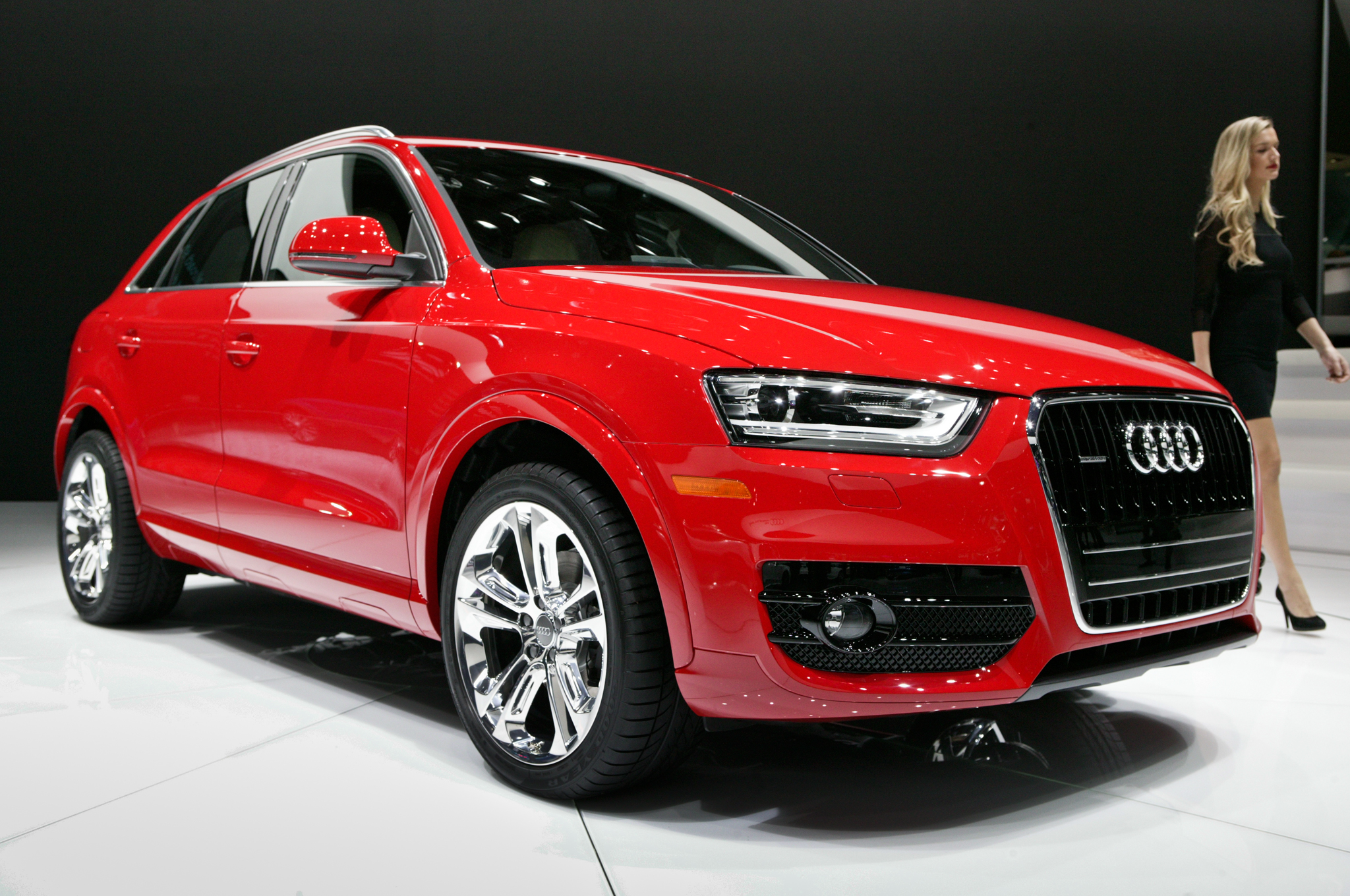 2015 Audi Q3 Red Exterior View (Photo 13 of 21)