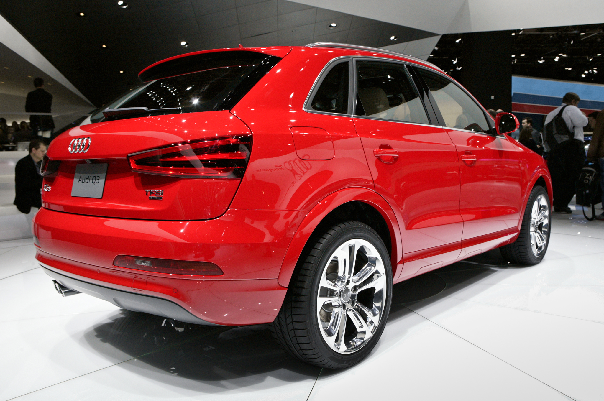 2015 Audi Q3 Red Rear View (Photo 14 of 21)