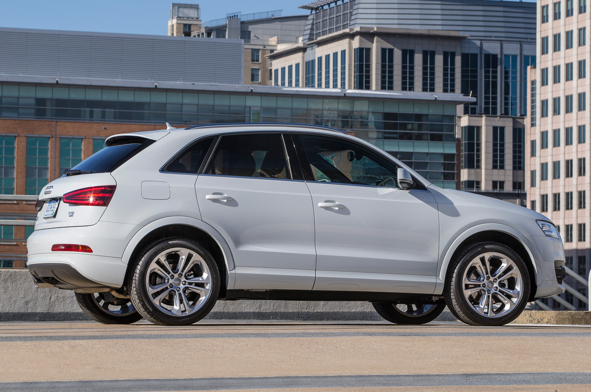 2015 Audi Q3 White (Photo 18 of 21)
