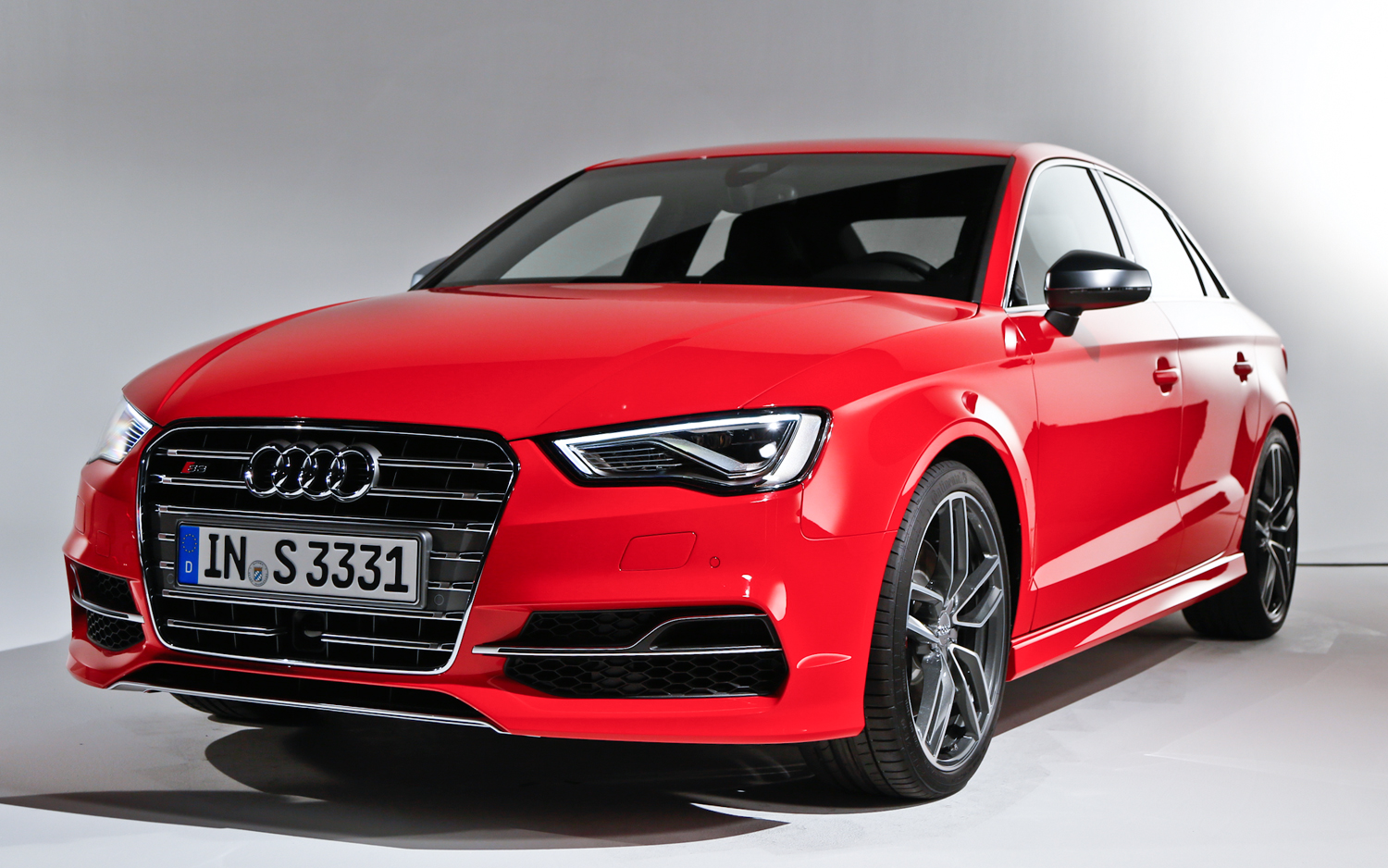 2015 Audi S3 Sedan Exterior Profile (Photo 3 of 10)