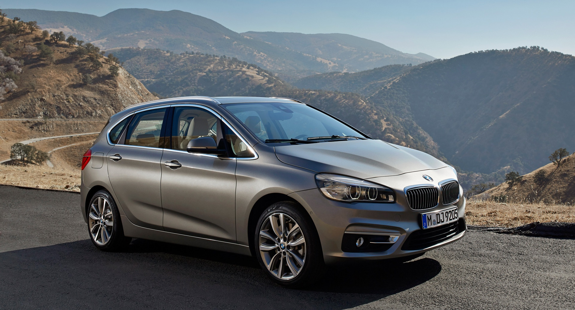 2015 Bmw 2 Series Active Tourer 225i Front Side View (View 11 of 11)