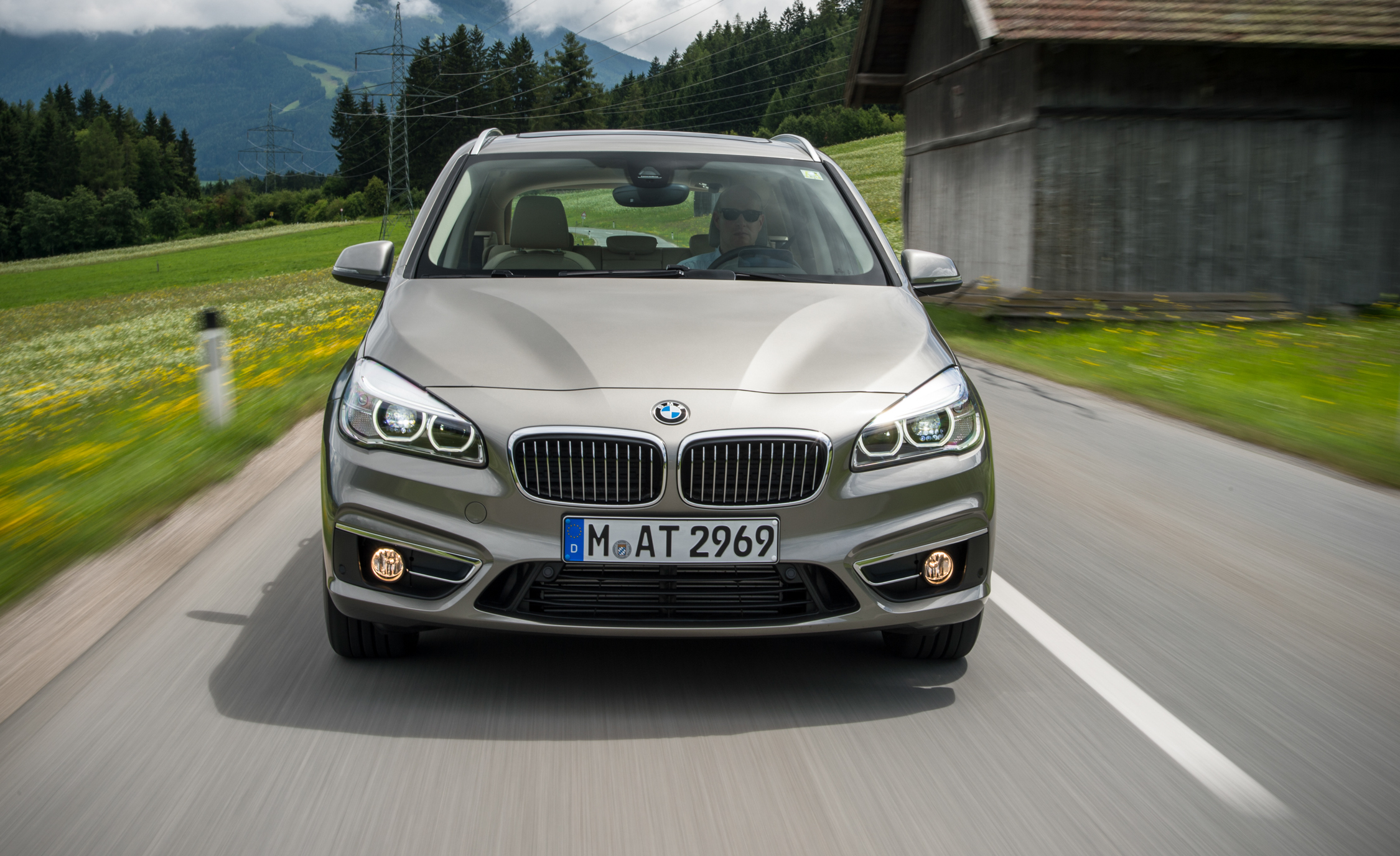 2015 BMW 225i Active Tourer (Euro Spec) (Photo 3 of 14)