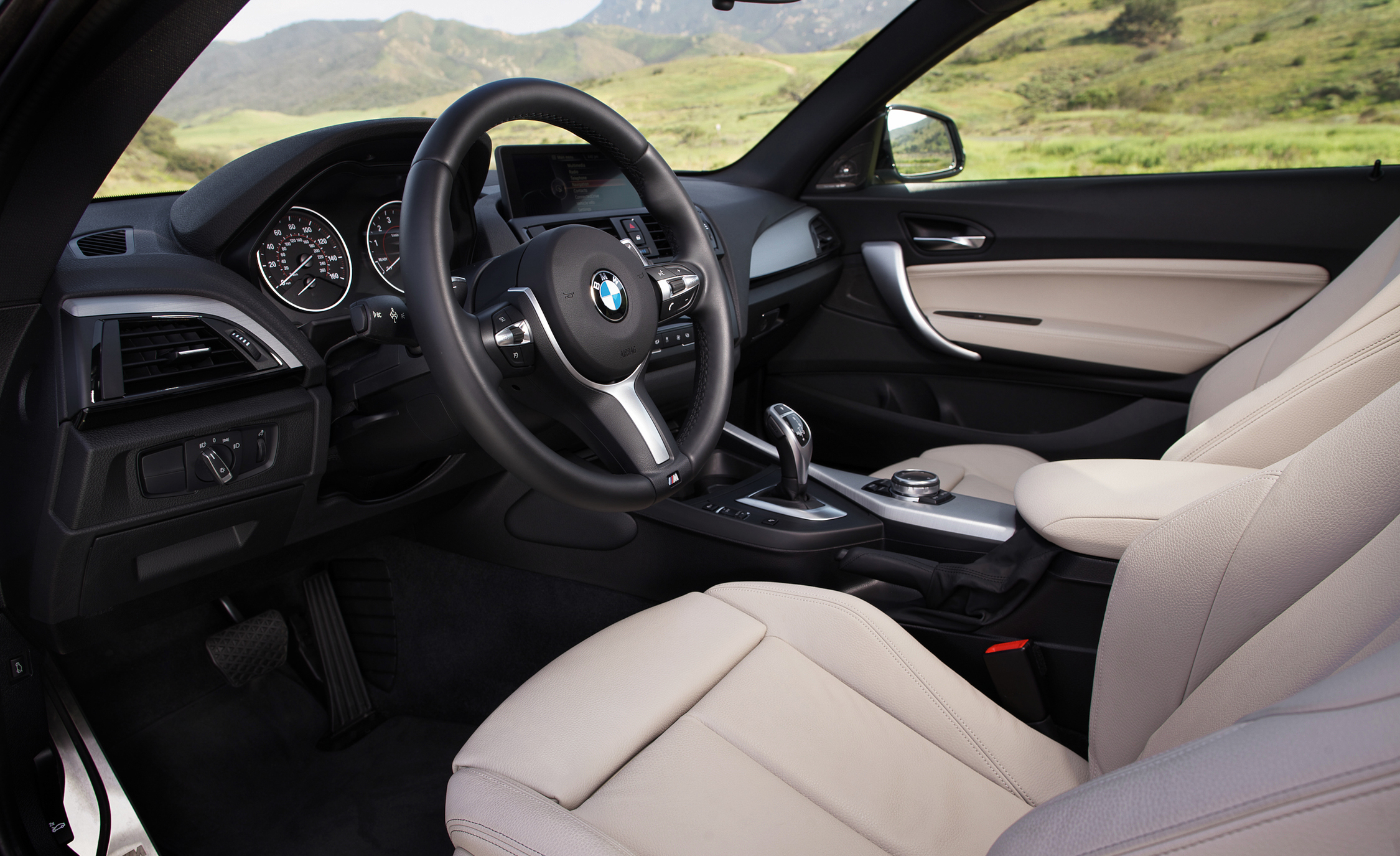 2015 BMW M235i XDrive (Photo 11 of 29)
