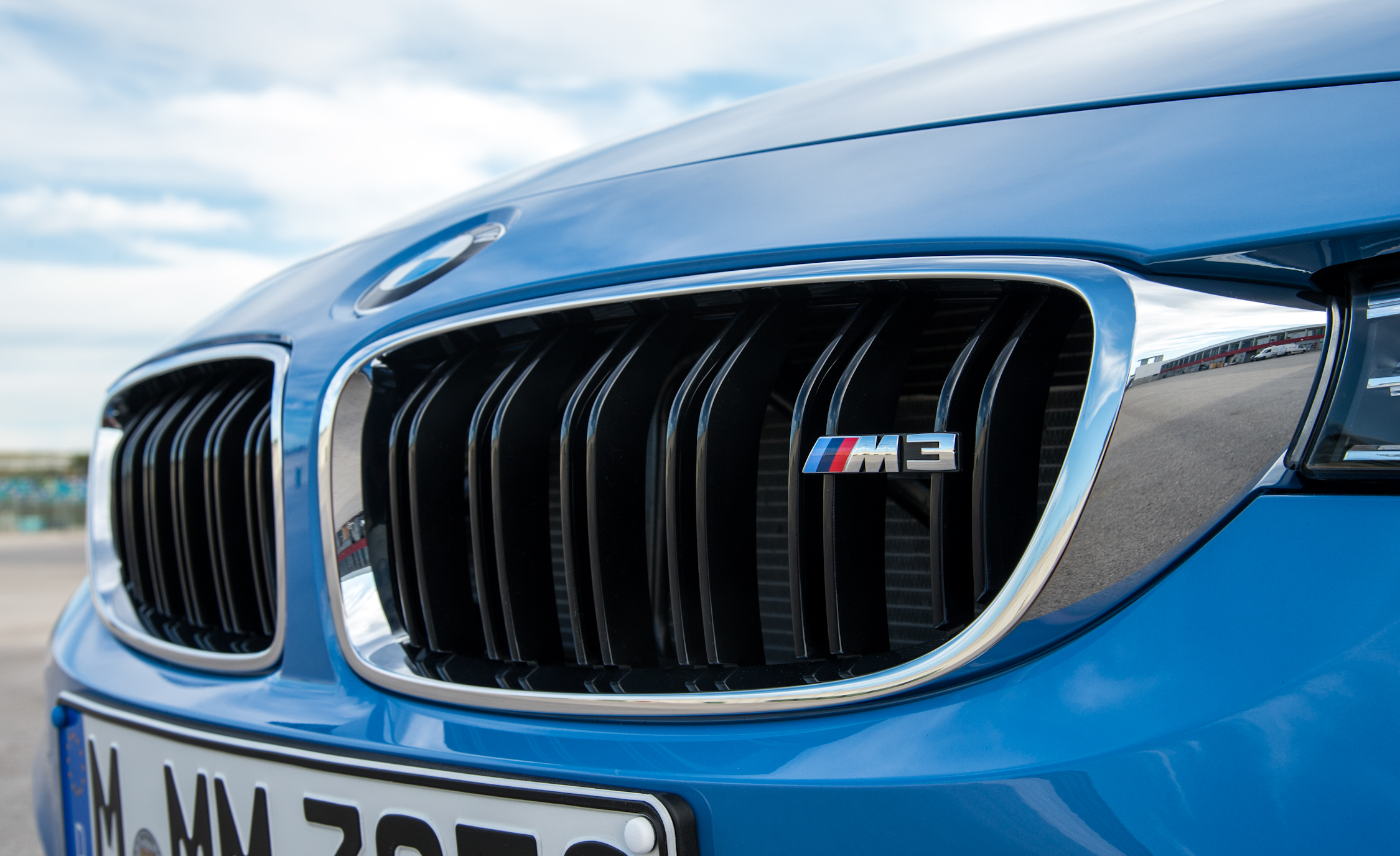 2015 BMW M3 Sedan Grille And Badge (Photo 27 of 55)