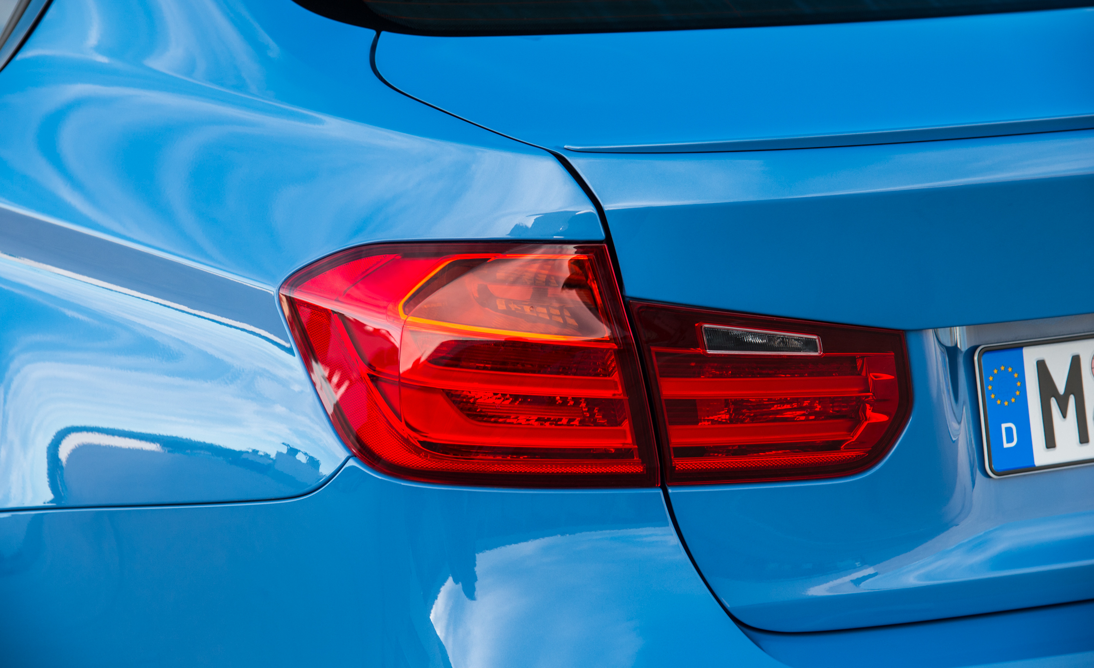2015 BMW M3 Sedan Taillight (Photo 37 of 55)