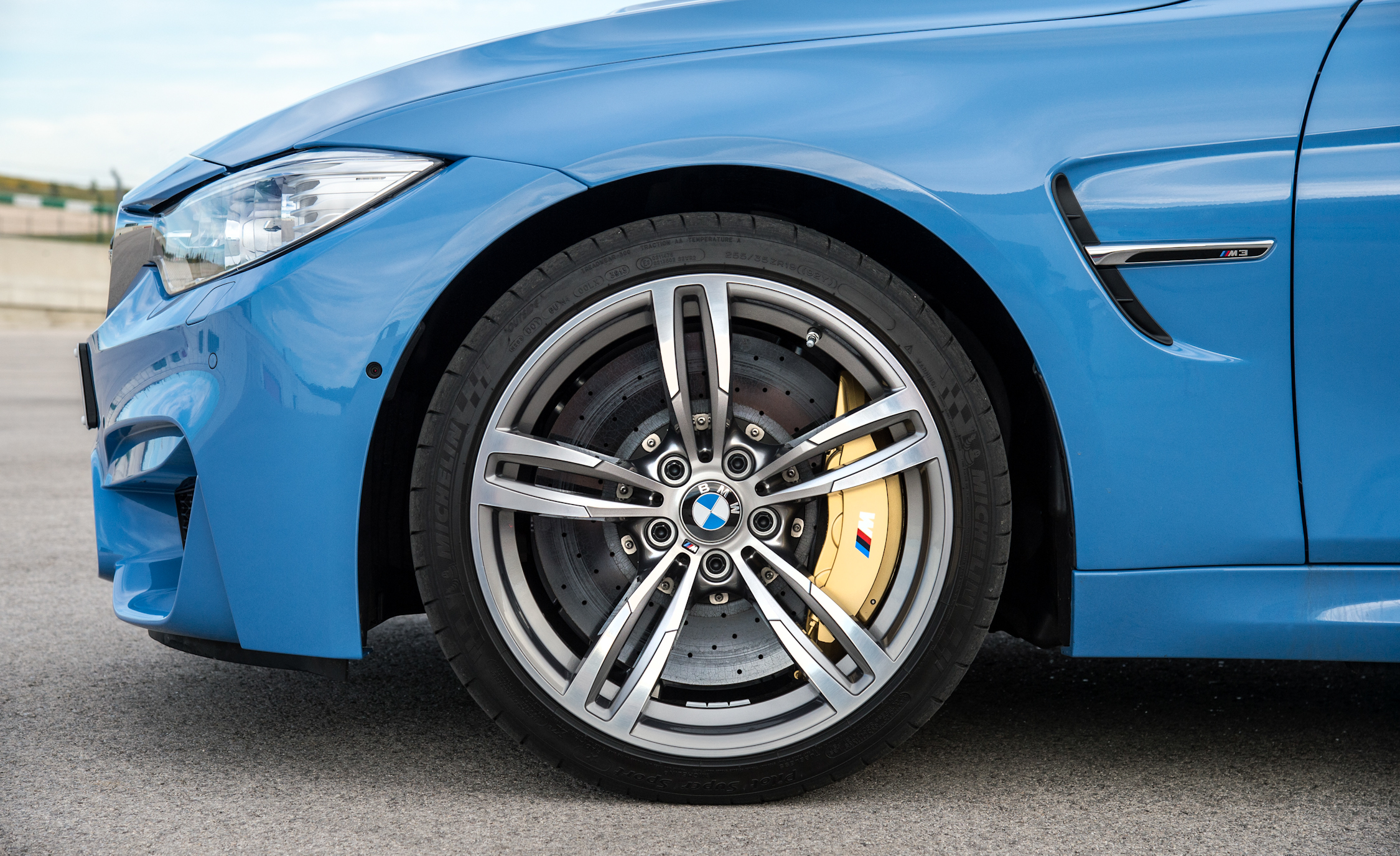 2015 BMW M3 Sedan Wheel (Photo 38 of 55)