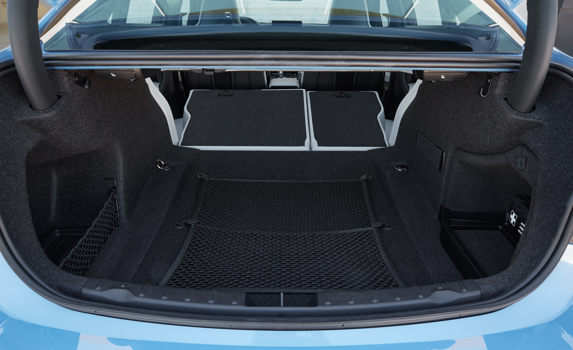 2015 BMW M3 Sedan Cargo Area (Photo 25 of 55)