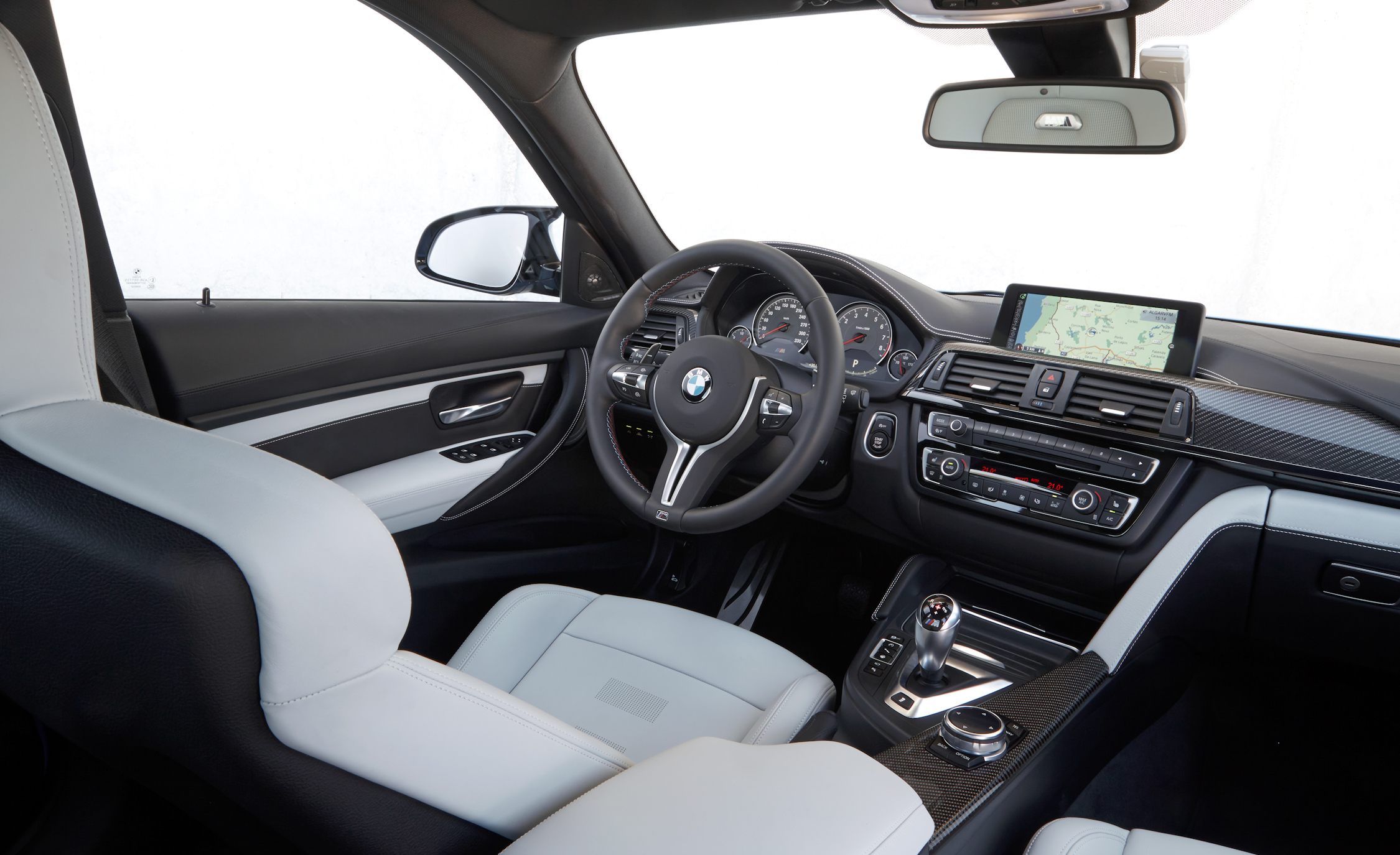 2015 BMW M3 Sedan Interior (Photo 31 of 55)