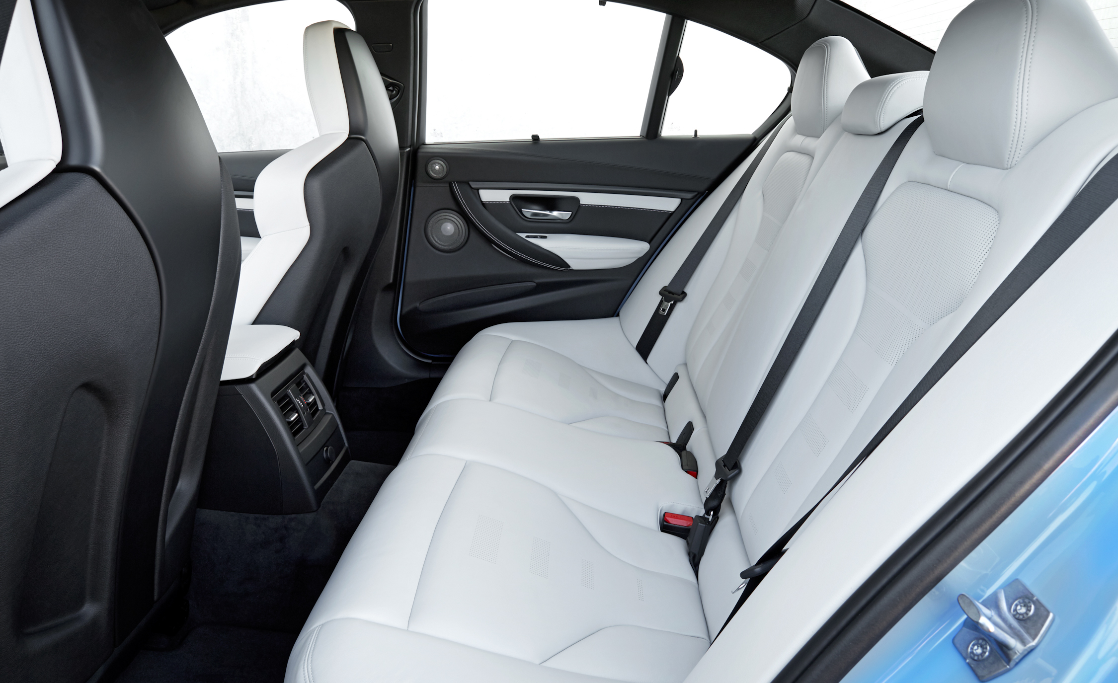 2015 BMW M3 Sedan Interior (Photo 33 of 55)