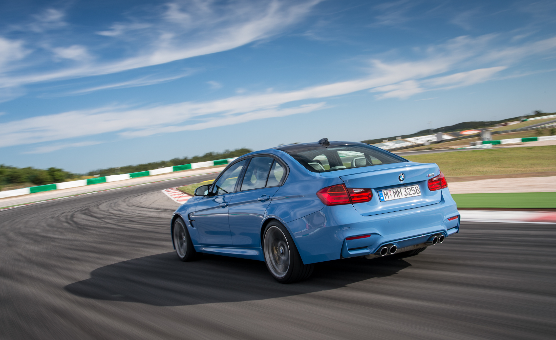 2015 BMW M3 Sedan (Photo 18 of 55)