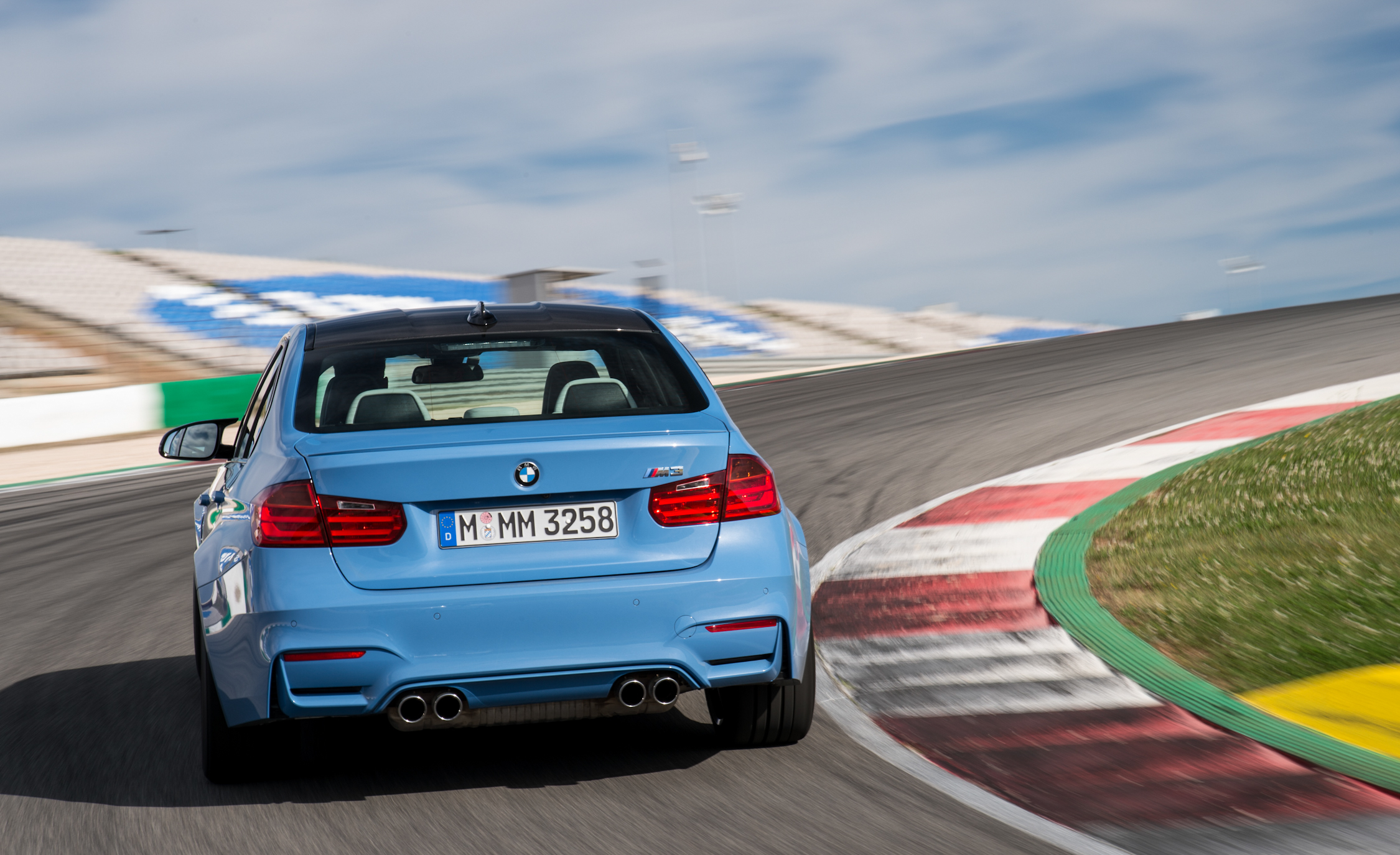 2015 BMW M3 Sedan (Photo 22 of 55)