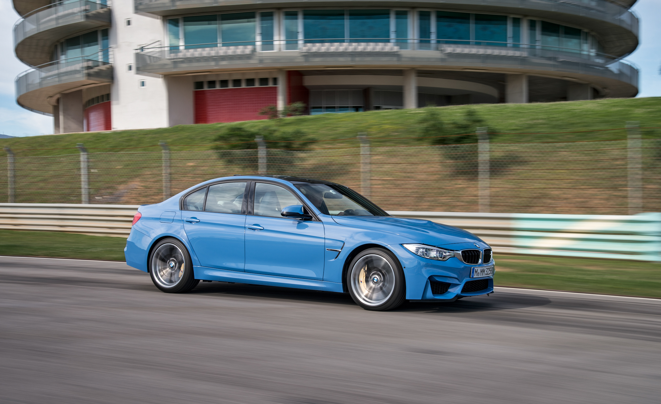 2015 BMW M3 Sedan (Photo 12 of 55)