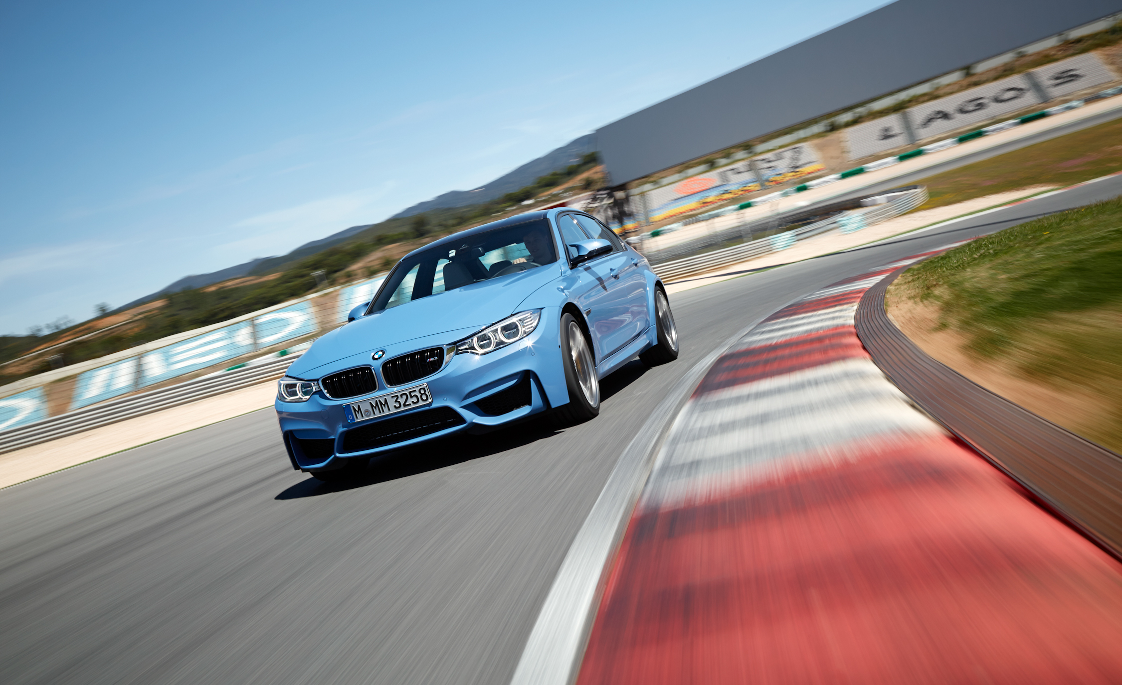 2015 BMW M3 Sedan (Photo 14 of 55)
