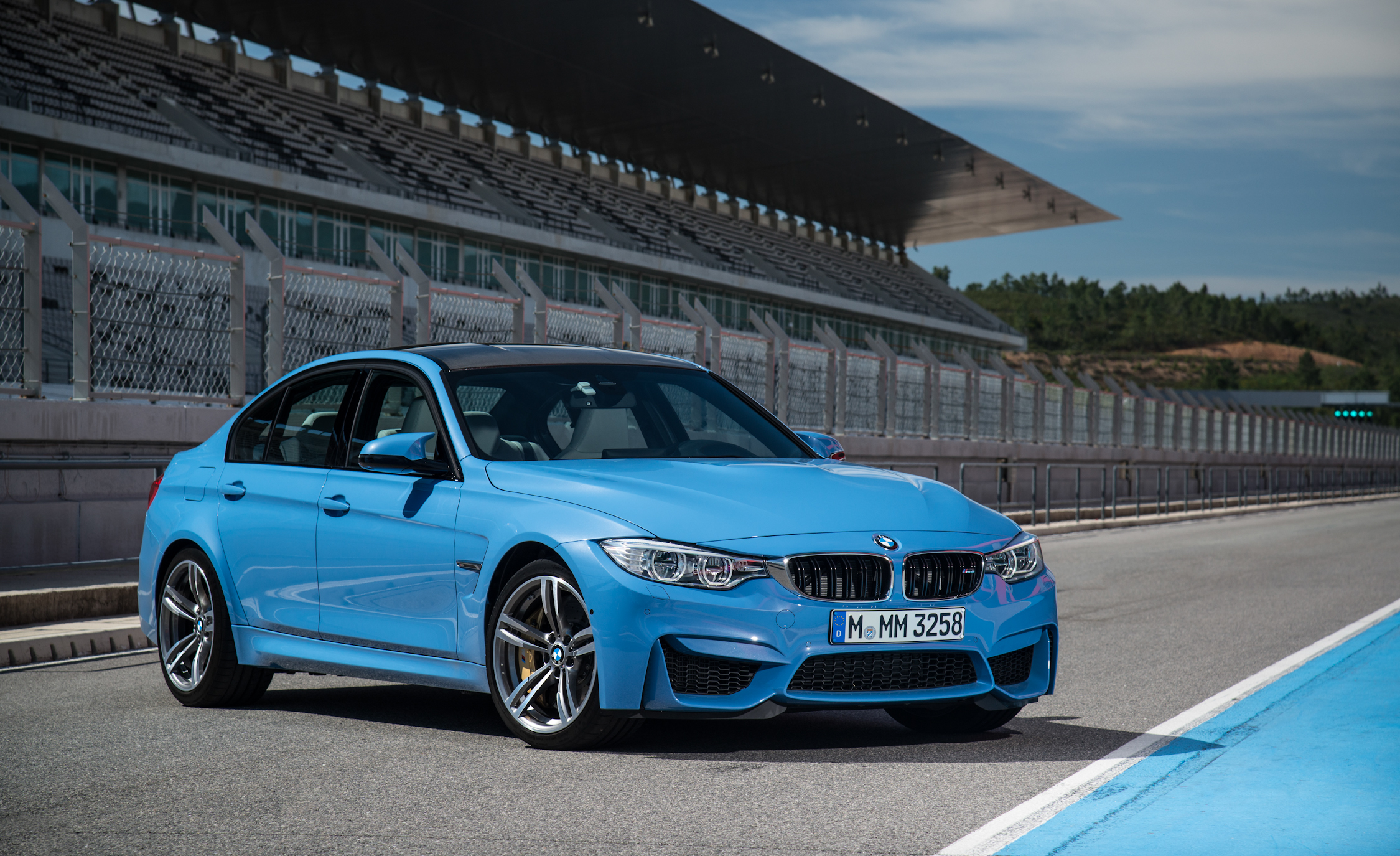 2015 BMW M3 Sedan (Photo 13 of 55)
