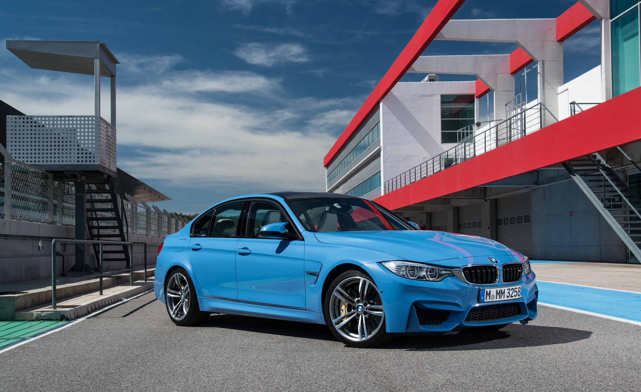 2015 BMW M3 Sedan (Photo 16 of 55)