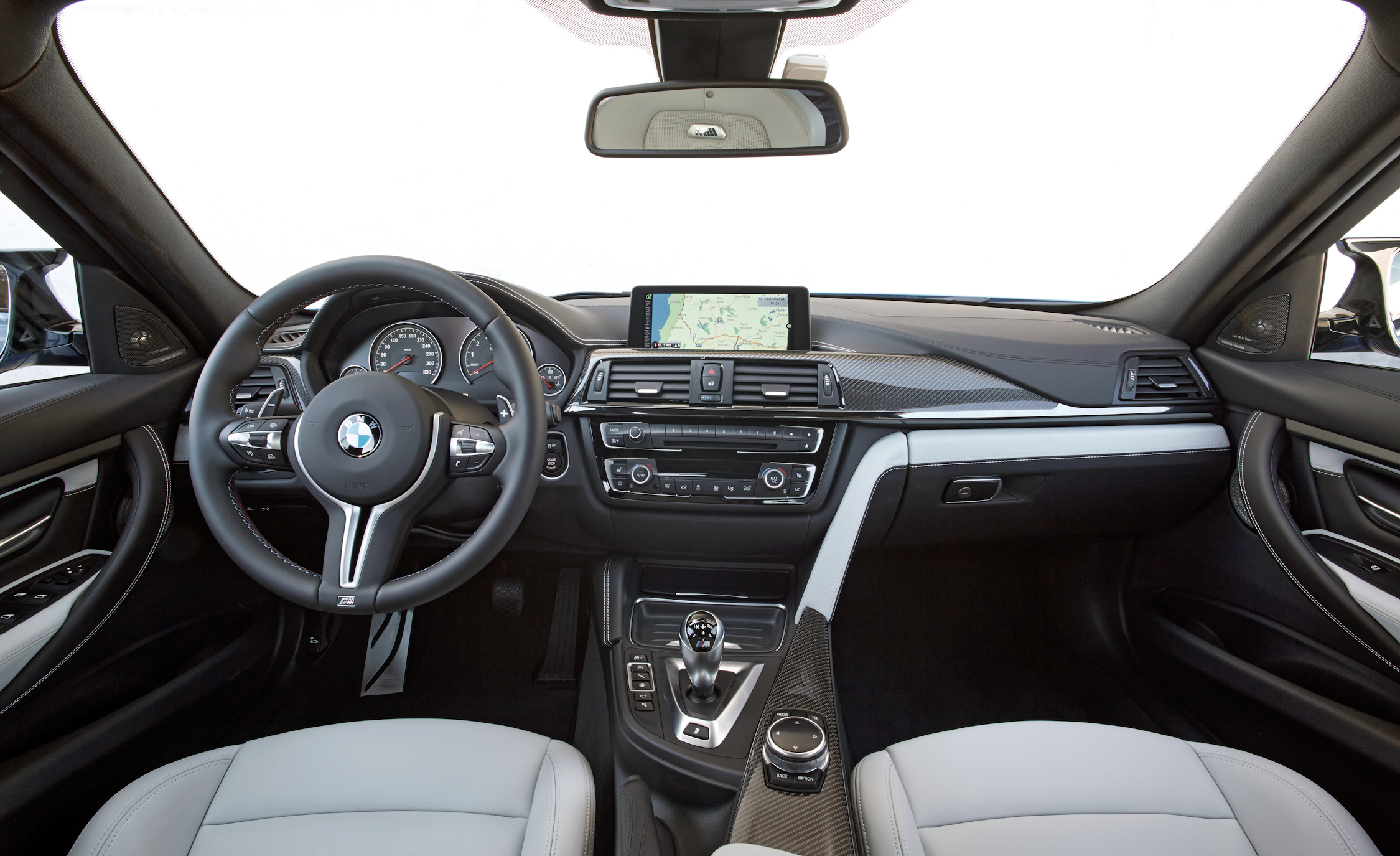 2015 BMW M3 Sedan Interior (Photo 30 of 55)