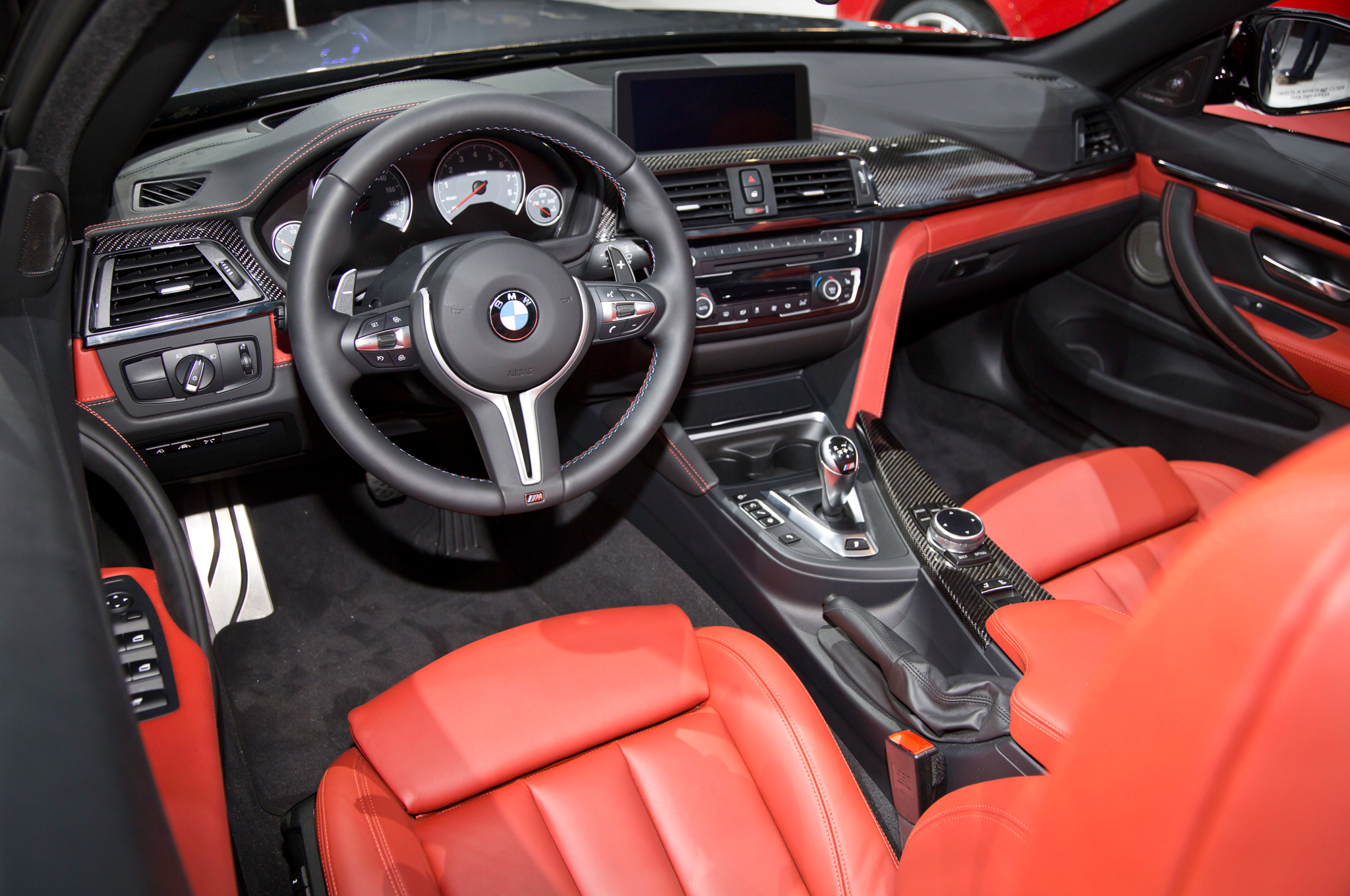 2015 Bmw M4 Convertible Dashboard And Cockpit (View 8 of 50)