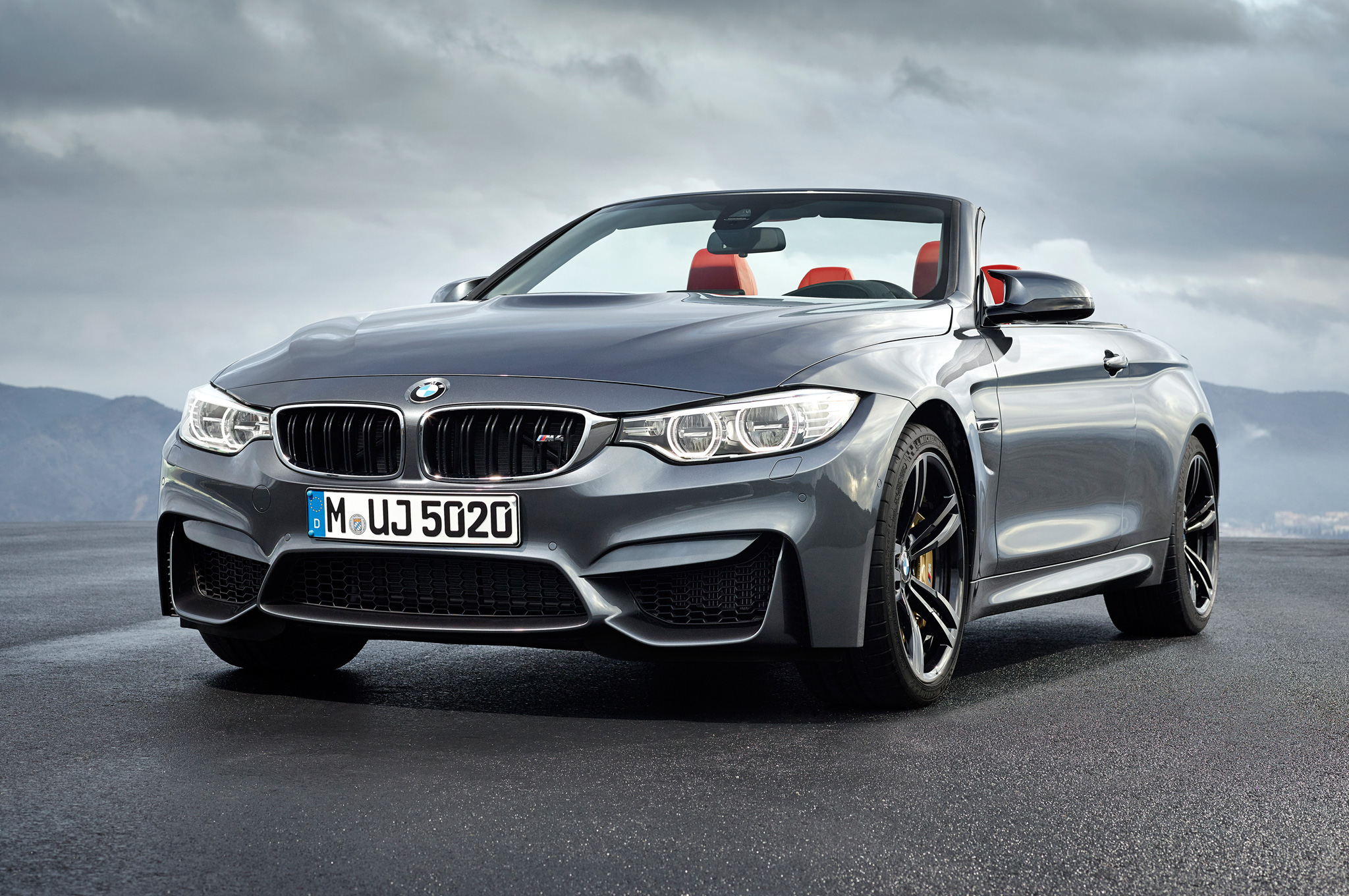 2015 Bmw M4 Convertible Front Side Photo (Photo 37 of 50)