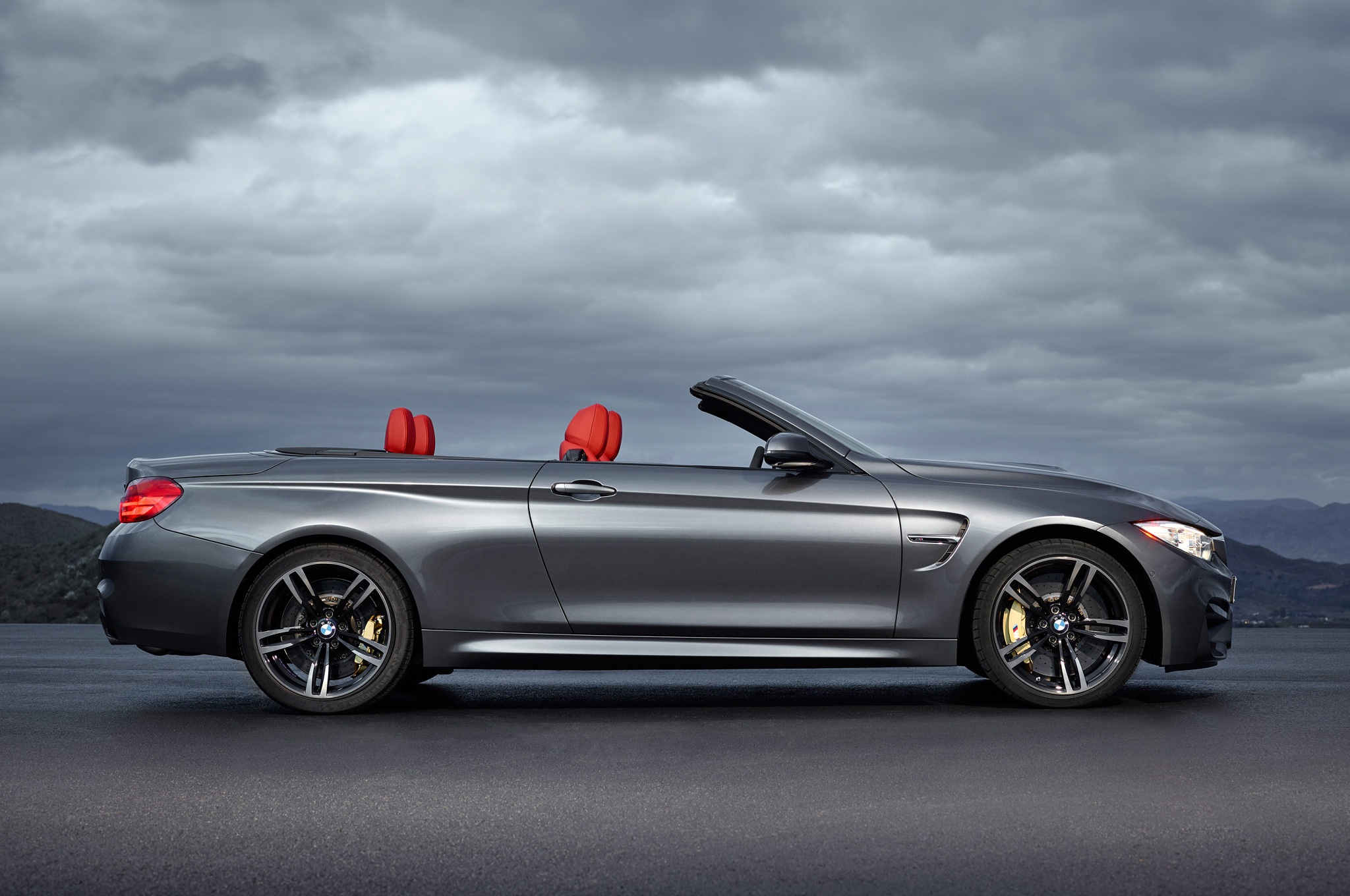 2015 Bmw M4 Convertible Perfect Side View (View 12 of 50)
