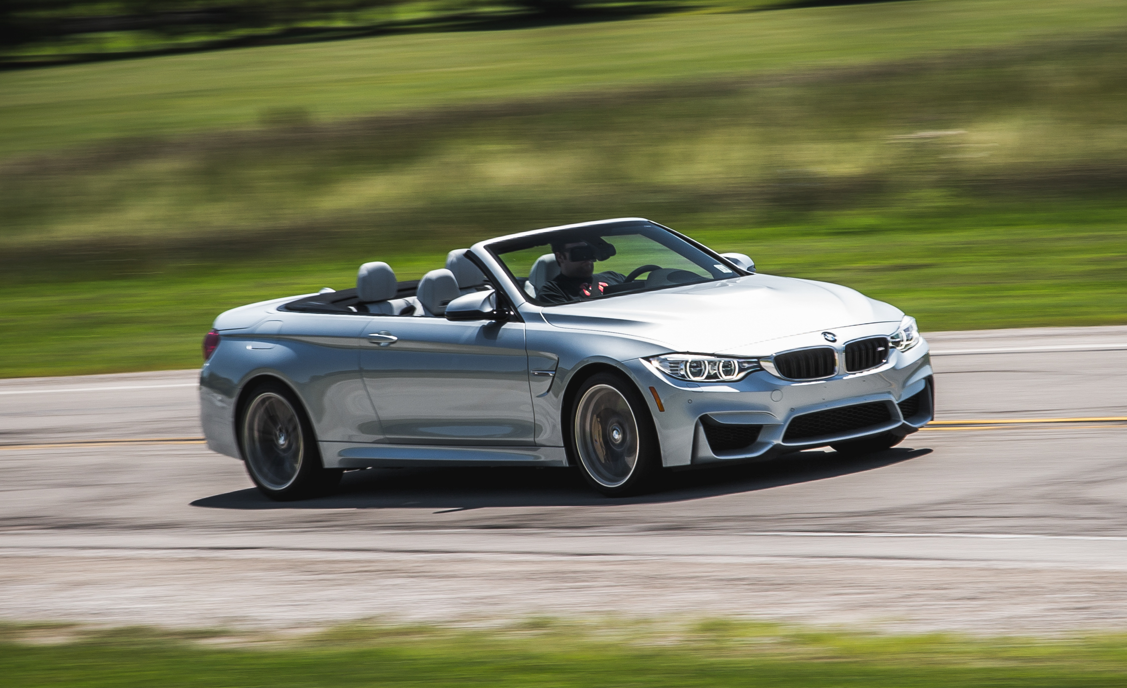 2015 BMW M4 Convertible (Photo 26 of 50)