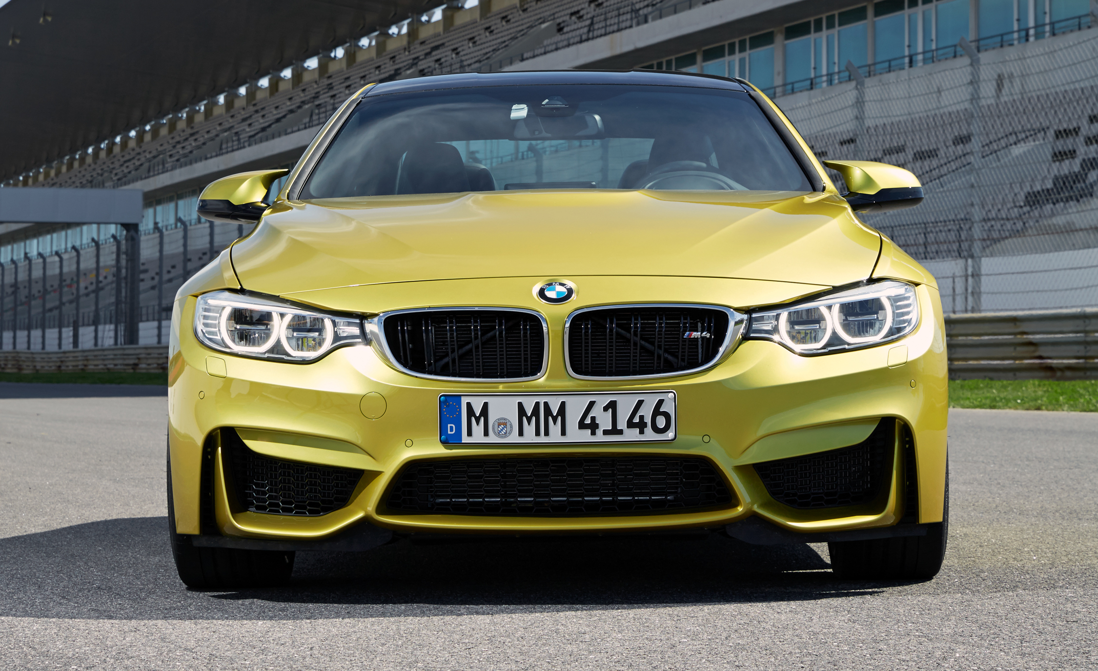 2015 BMW M4 Coupe (Photo 9 of 41)