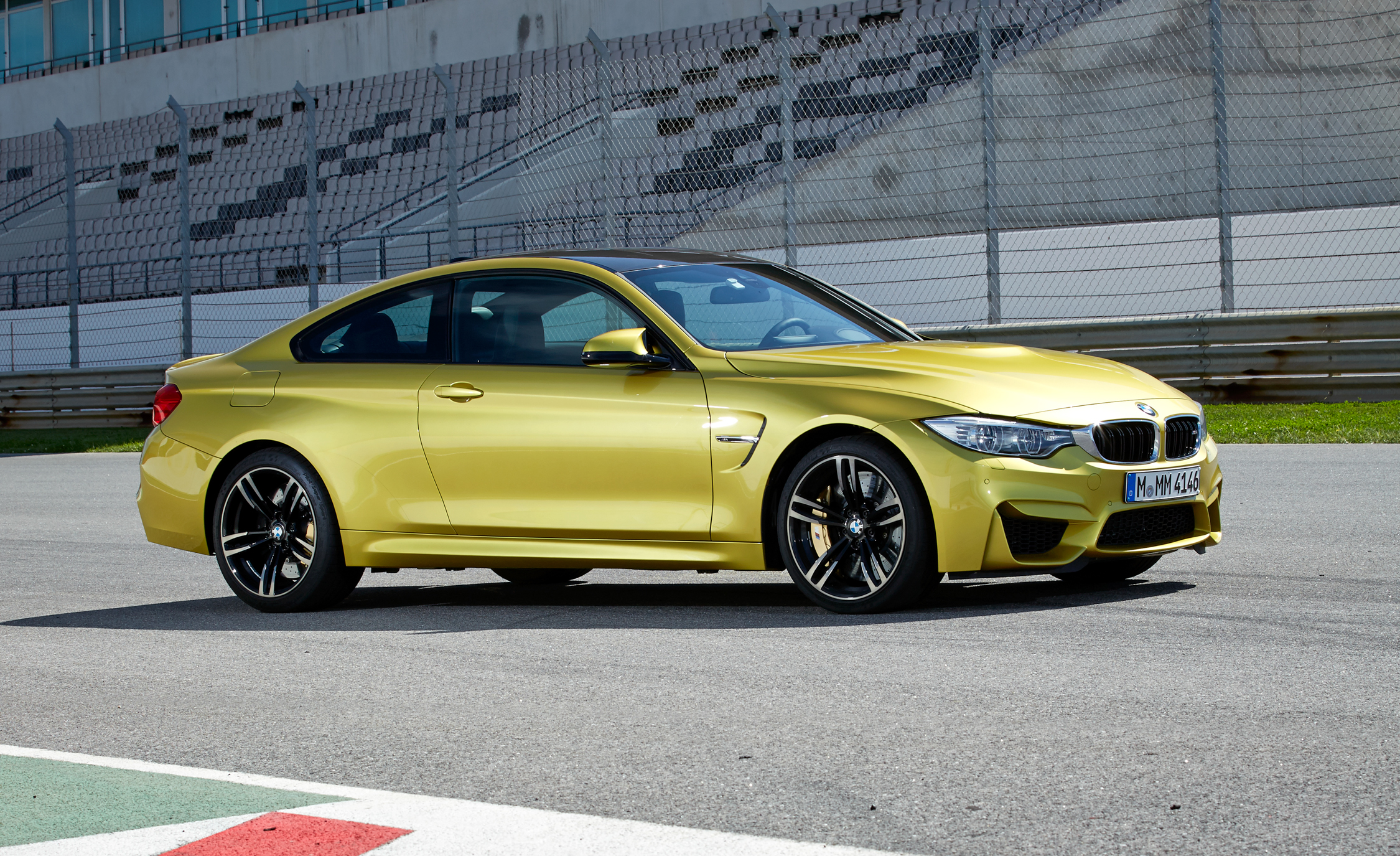 2015 BMW M4 Coupe (Photo 12 of 41)