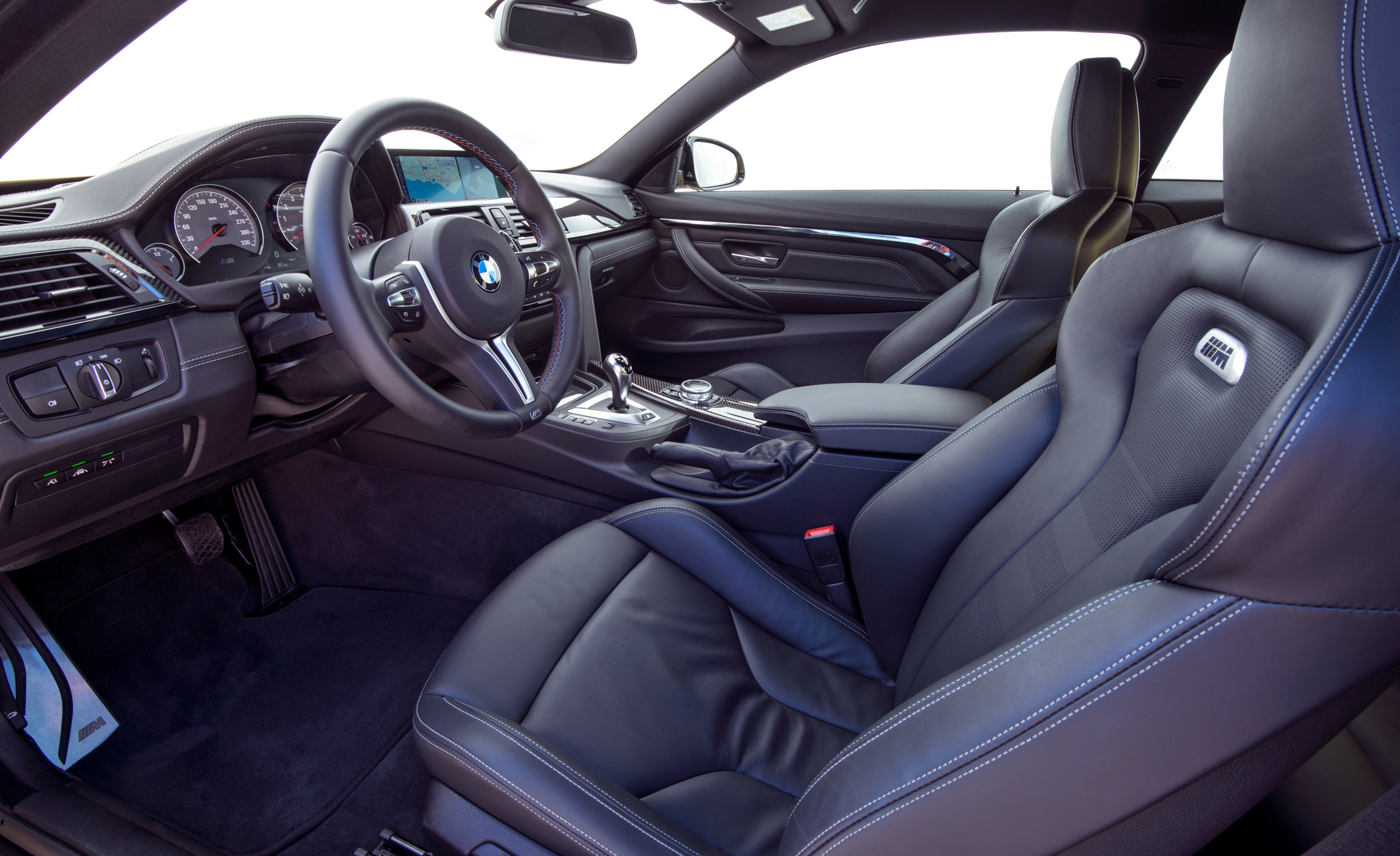 2015 BMW M4 Coupe Interior (Photo 19 of 41)