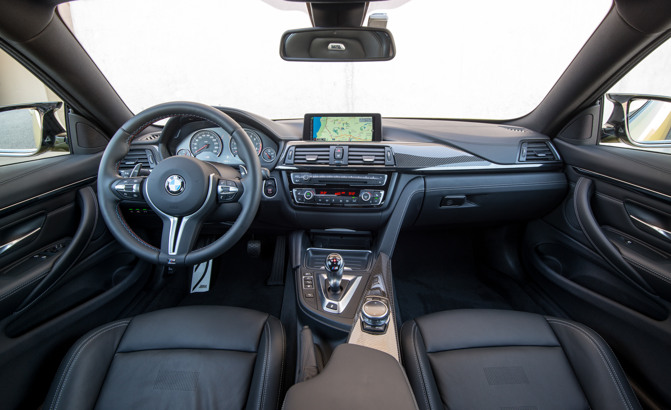 2015 BMW M4 Coupe Interior (Photo 22 of 41)