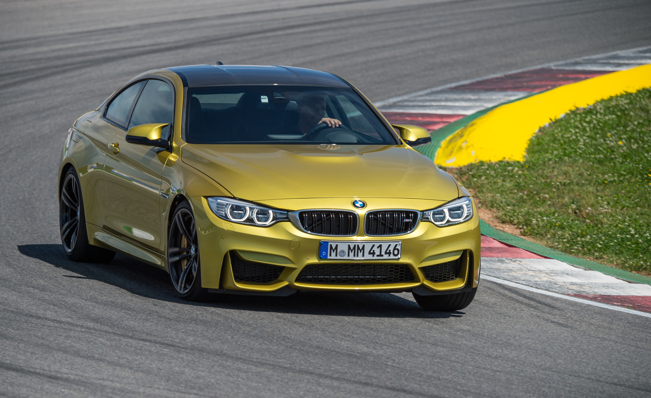 2015 BMW M4 Coupe (Photo 2 of 41)