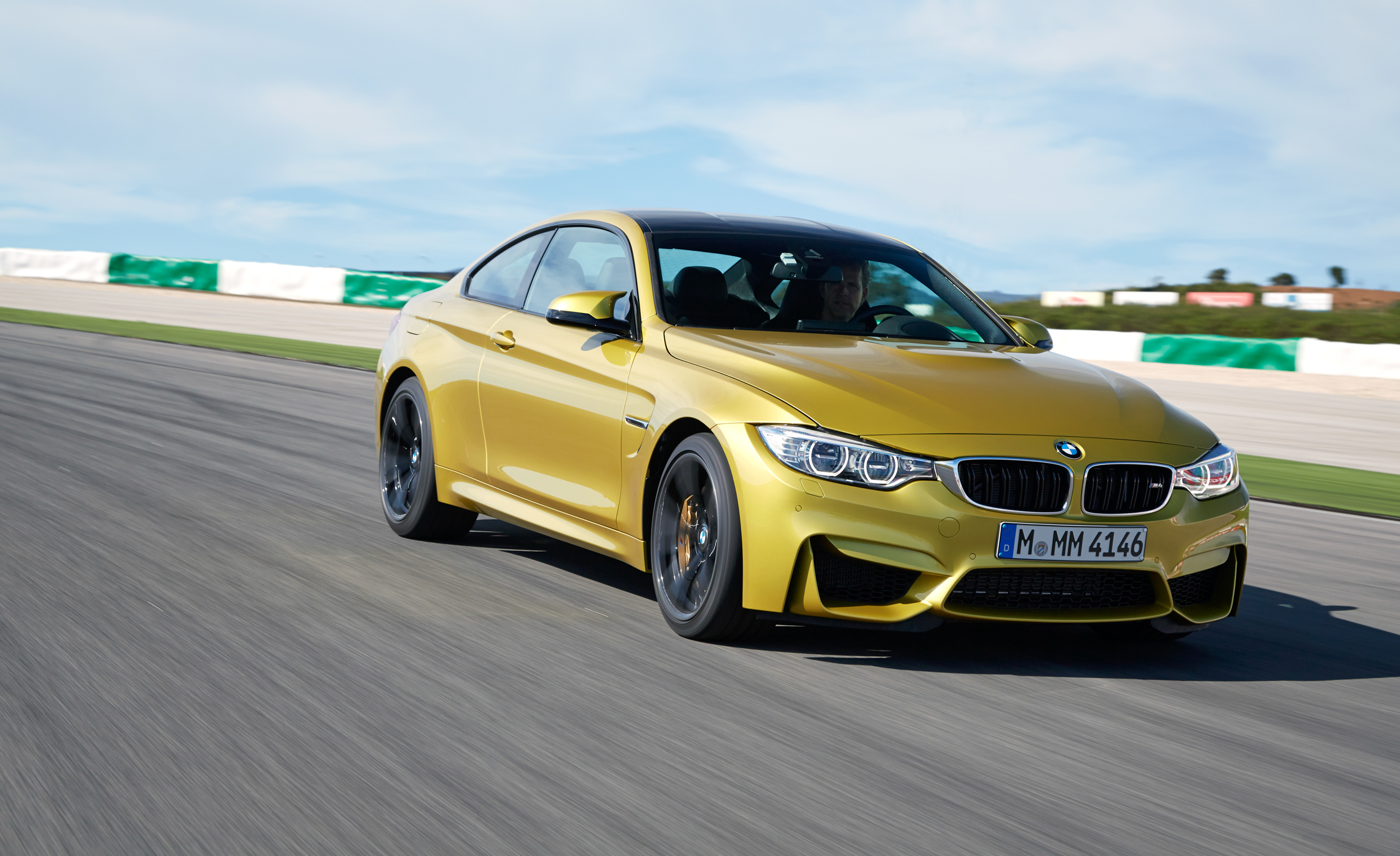2015 BMW M4 Coupe (Photo 4 of 41)