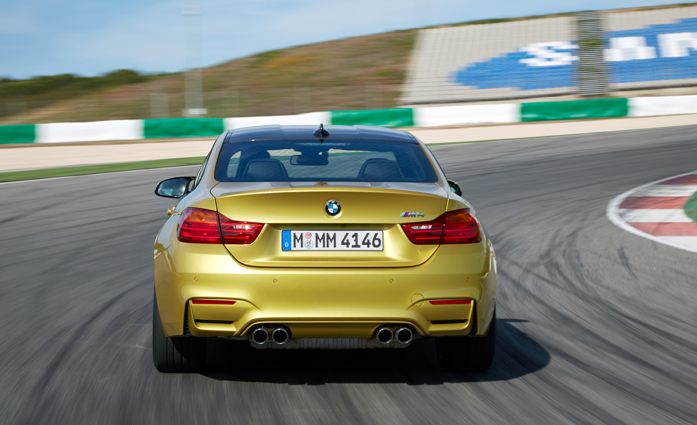 2015 BMW M4 Coupe (Photo 5 of 41)