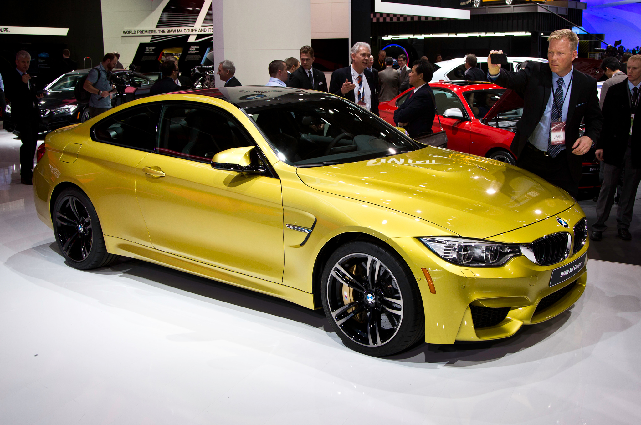 2015 Bmw M4 Front Side View (Photo 6 of 41)