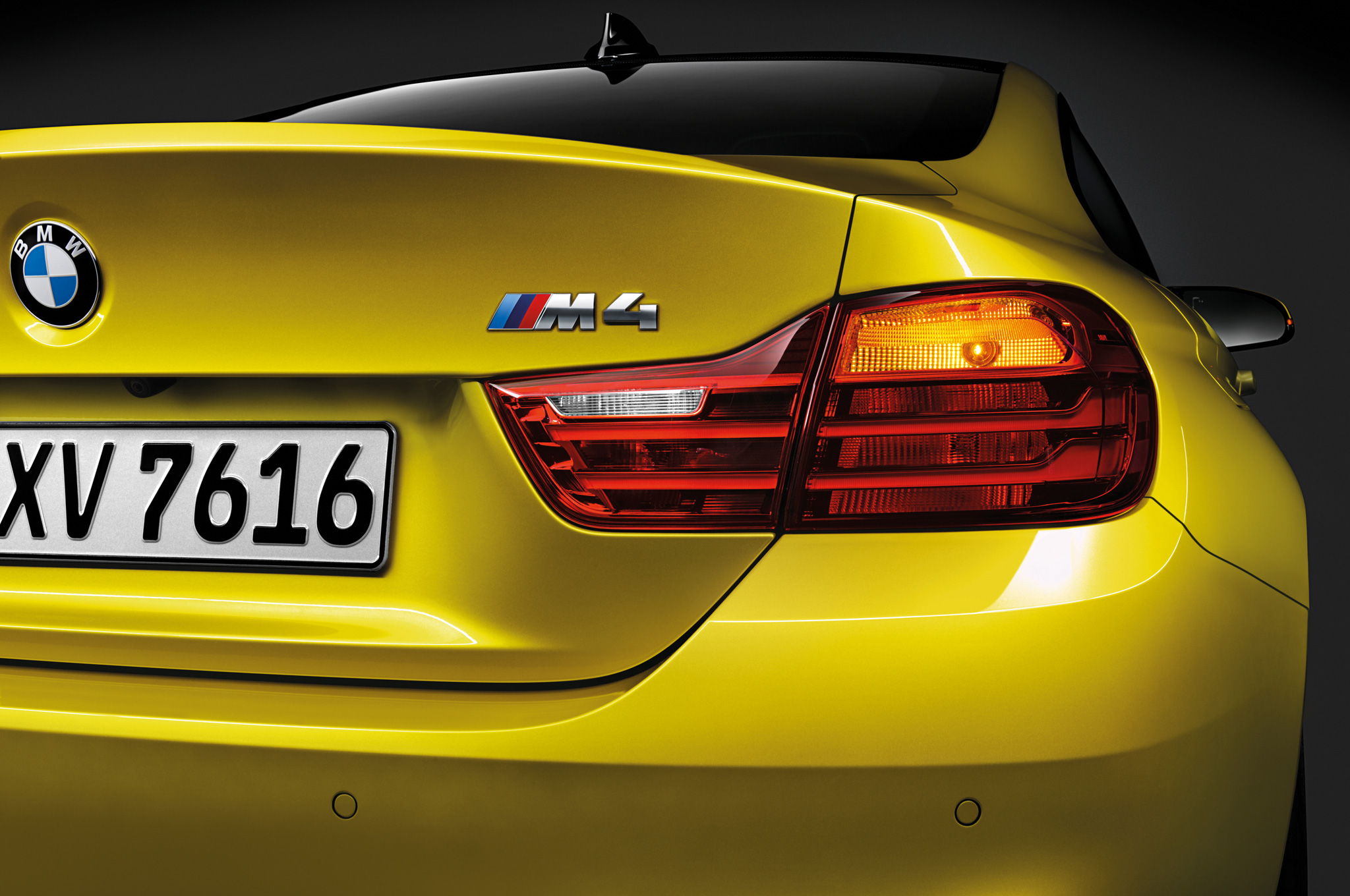 2015 Bmw M4 Trunk And Rear Lamp (Photo 40 of 41)