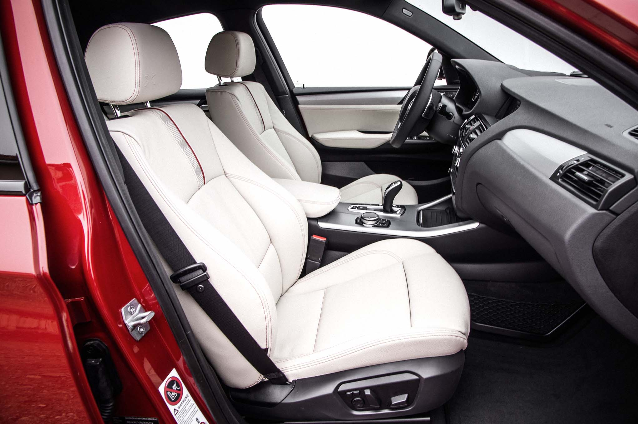 2015 Bmw X4 Front Seats Interior (Photo 5 of 13)