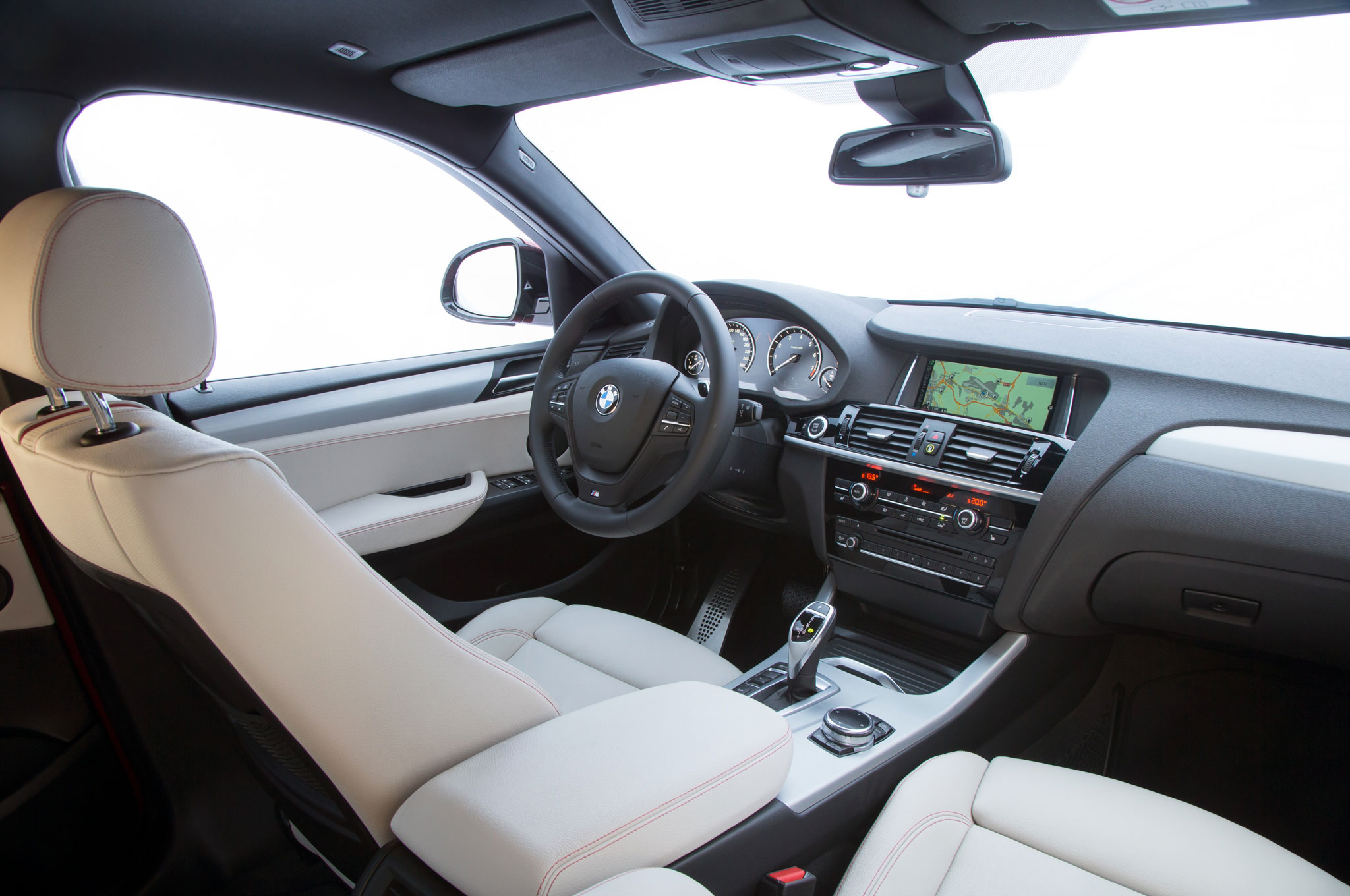 2015 Bmw X4 Front Side And Dash (Photo 5 of 13)