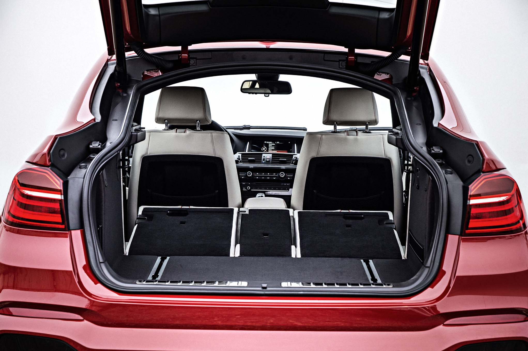 2015 Bmw X4 Rear Seat Down And Trunk View (Photo 9 of 13)