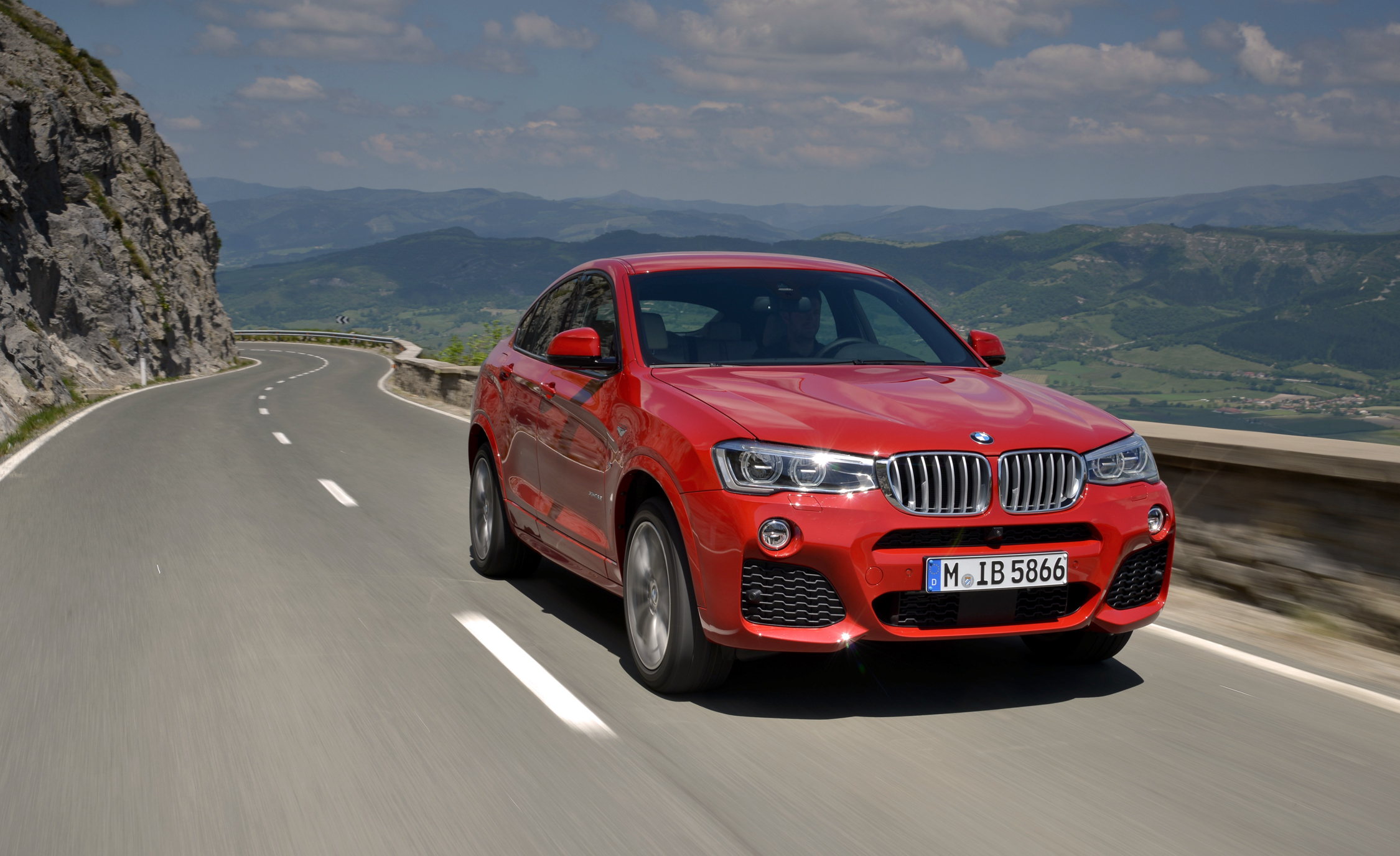 2015 BMW X4 XDrive35i (Photo 2 of 14)
