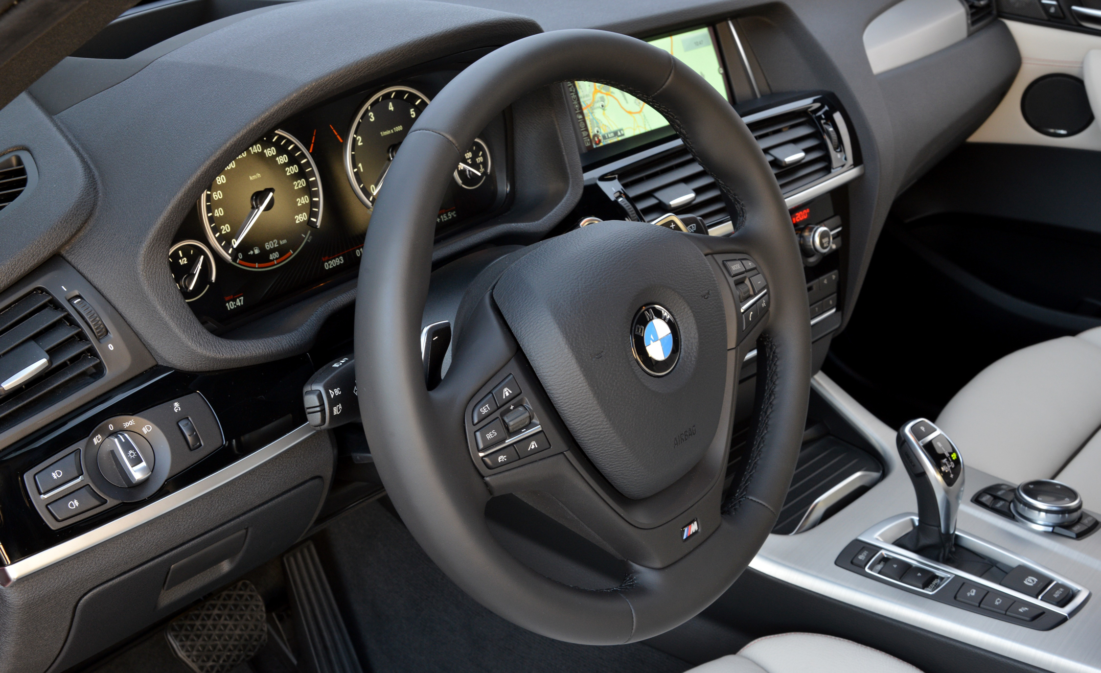 2015 BMW X4 XDrive35i Interior (Photo 11 of 14)